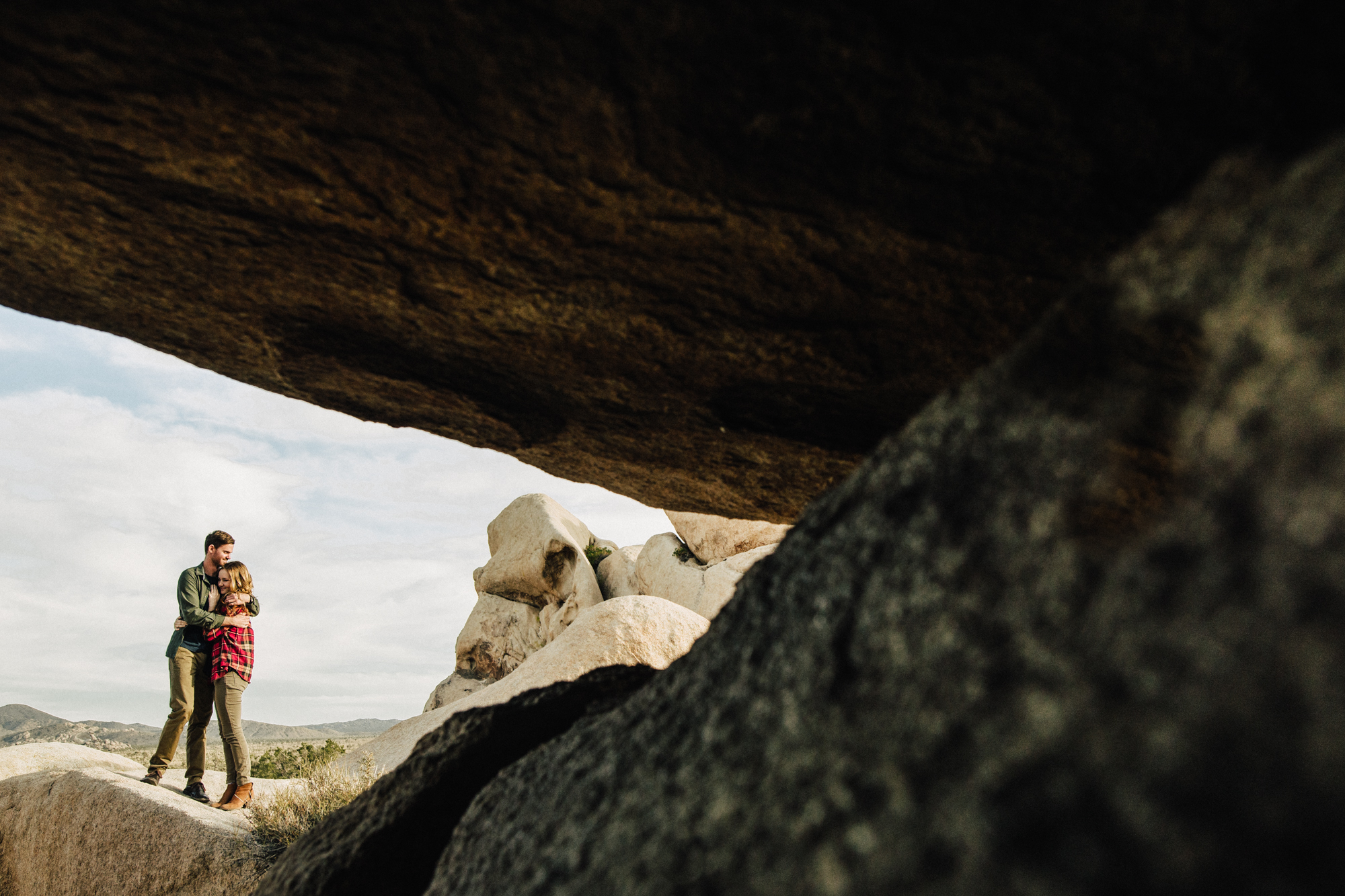 ©Isaiah & Taylor Photography - Destination Wedding Photographers - Joshua Tree, California Adventure Engagement-011.jpg