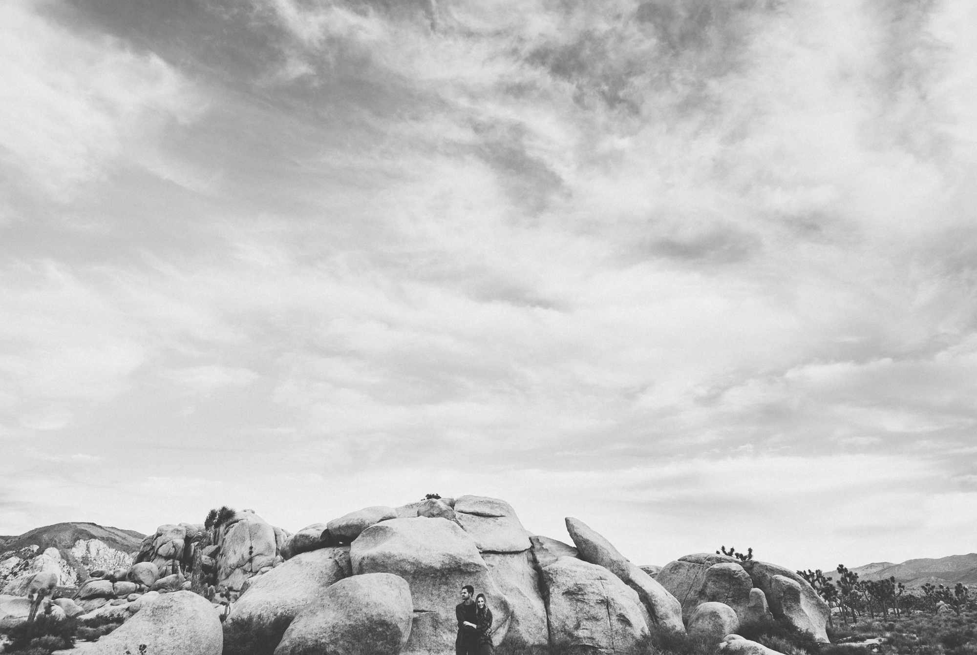 ©Isaiah & Taylor Photography - Destination Wedding Photographers - Joshua Tree, California Adventure Engagement-015.jpg