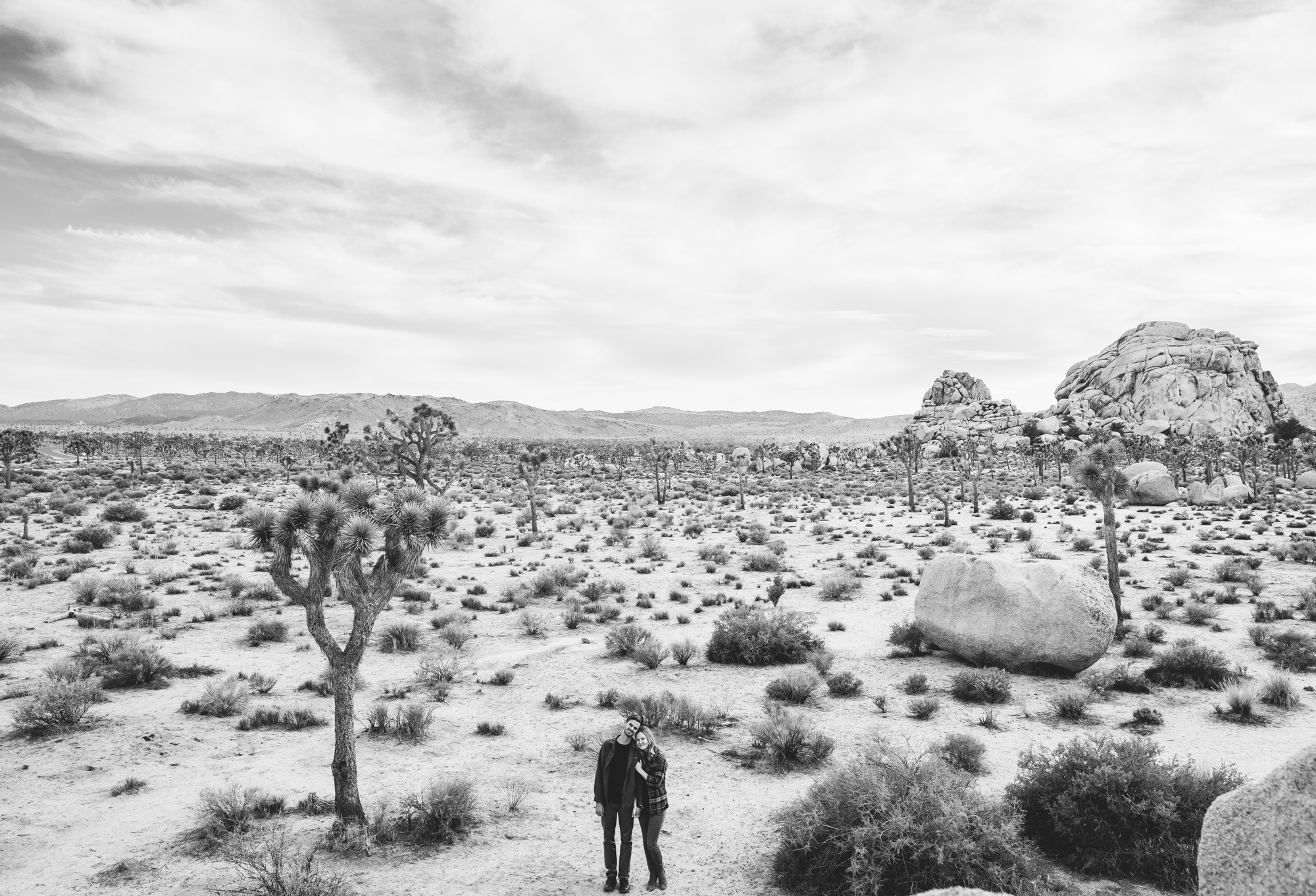 ©Isaiah & Taylor Photography - Destination Wedding Photographers - Joshua Tree, California Adventure Engagement-017.jpg