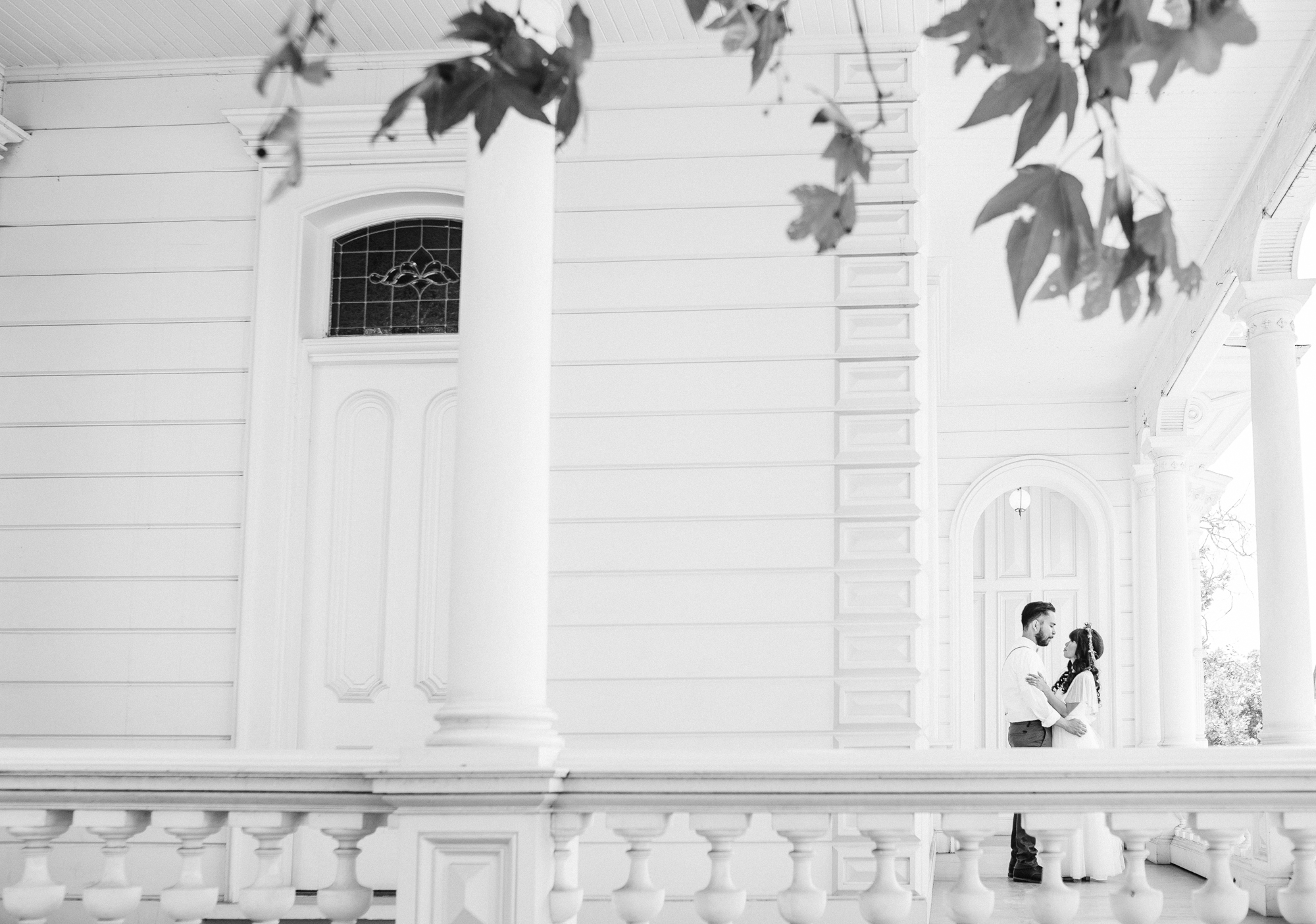 Isaiah & Taylor Photography - Los Angeles - Destination Wedding Photographers - Heritage Square Museum -35.jpg