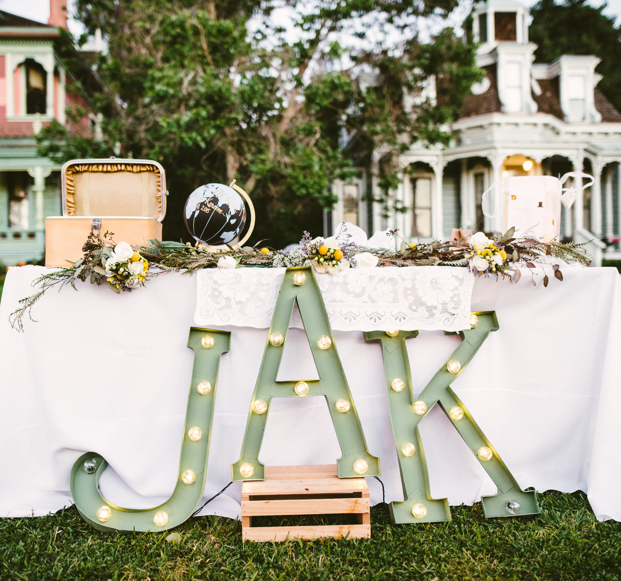 Isaiah & Taylor Photography - Los Angeles - Destination Wedding Photographers - Heritage Square Museum -87.jpg