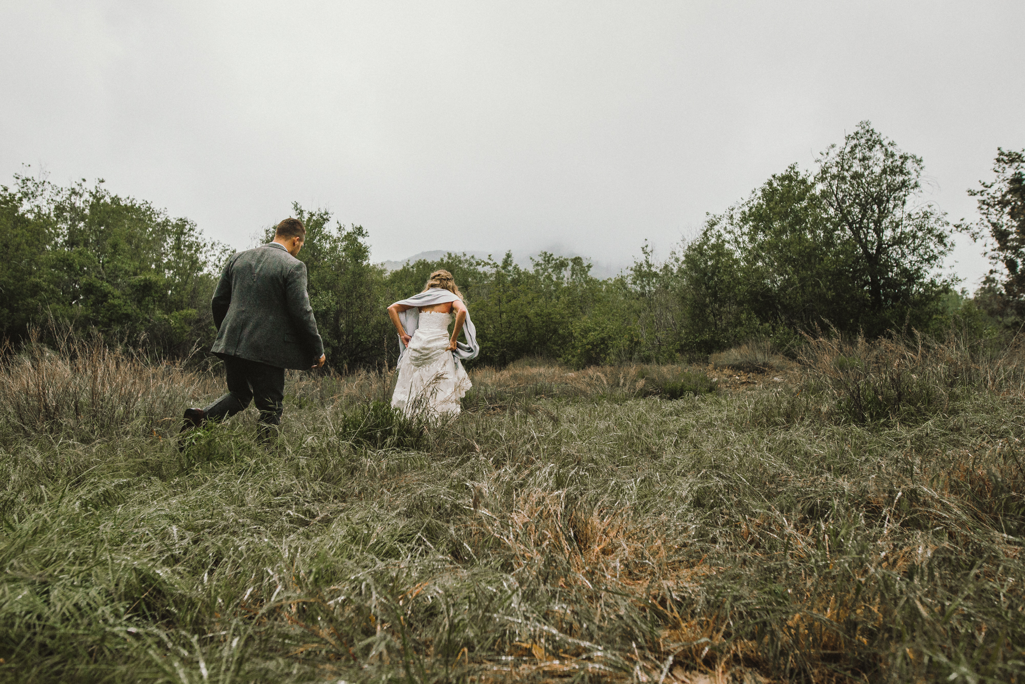 Isaiah & Taylor Photography - Los Angeles - Destination Wedding Photographers - Oak Glen Wilshire Ranch Foggy Forest Wedding-66.jpg