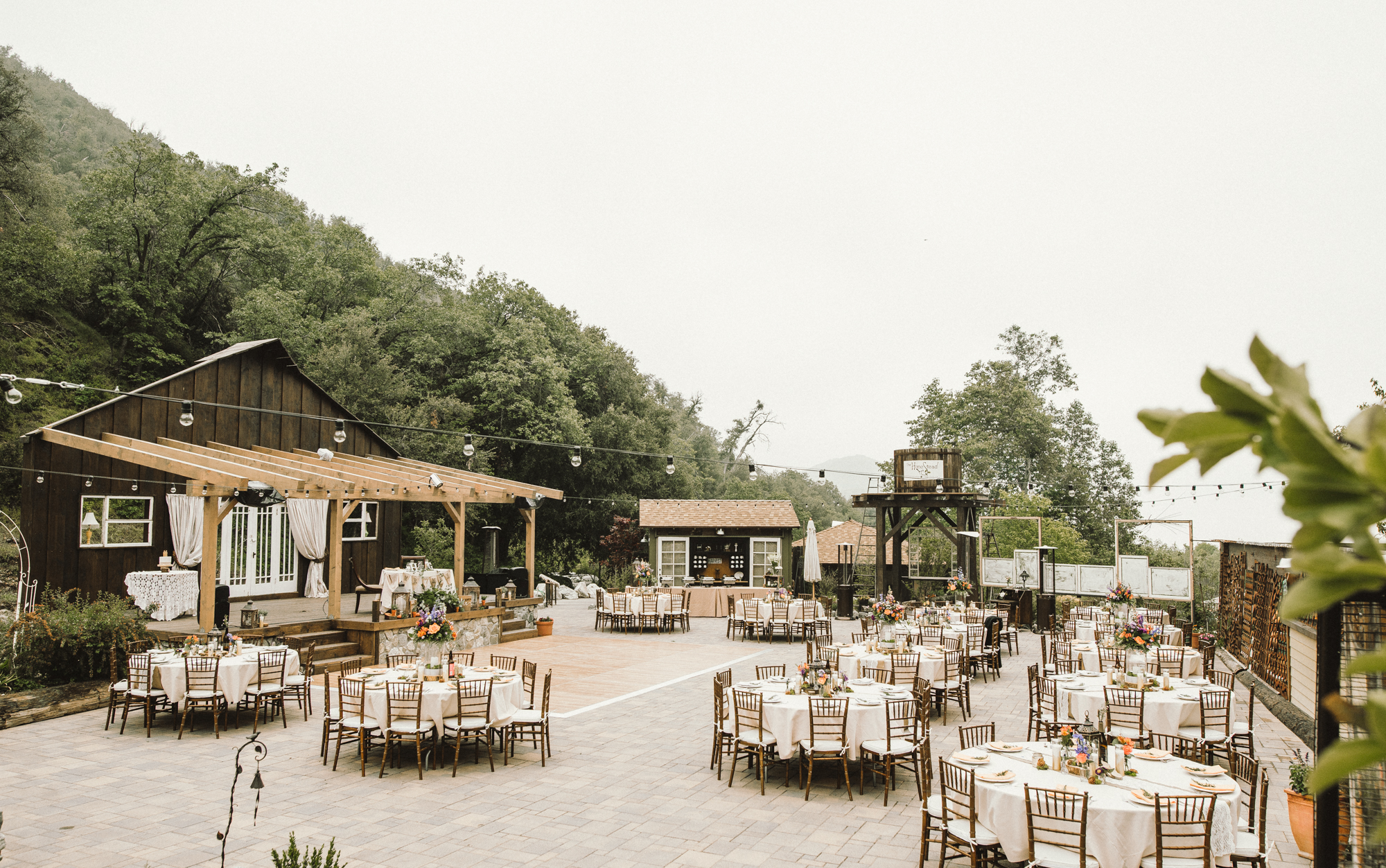 Isaiah & Taylor Photography - Los Angeles - Destination Wedding Photographers - Oak Glen Wilshire Ranch Foggy Forest Wedding-77.jpg