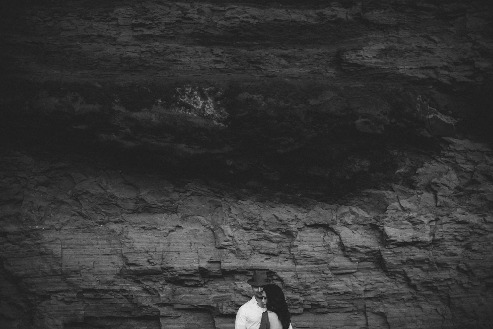 Isaiah & Taylor Photography - Los Angeles - Destination Wedding Photographers - San Diego Sunset Cliffs Beach Adventure Engagement-27.jpg