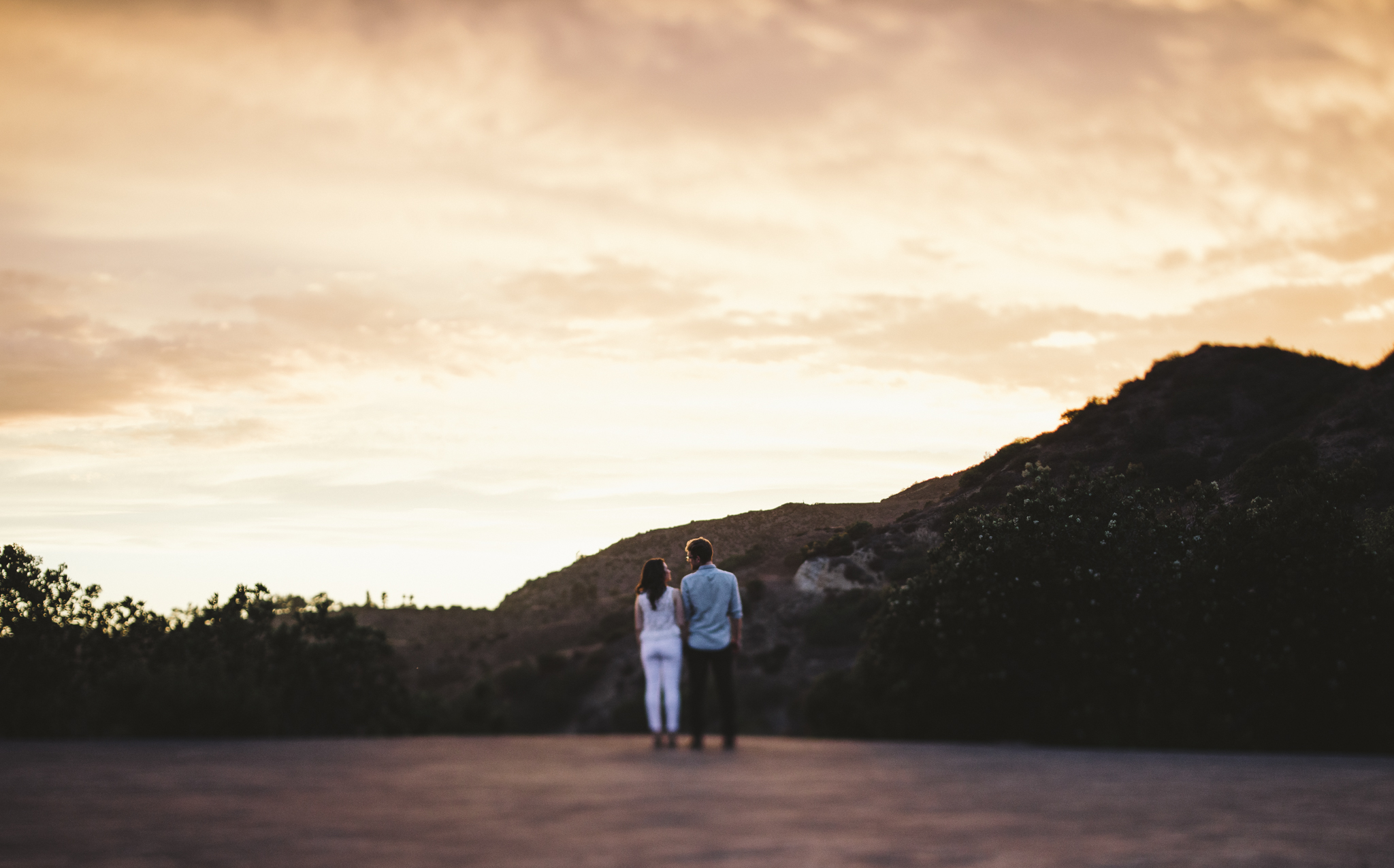 Isaiah & Taylor Photography - Los Angeles Landscape Sunset Engagement-30.jpg