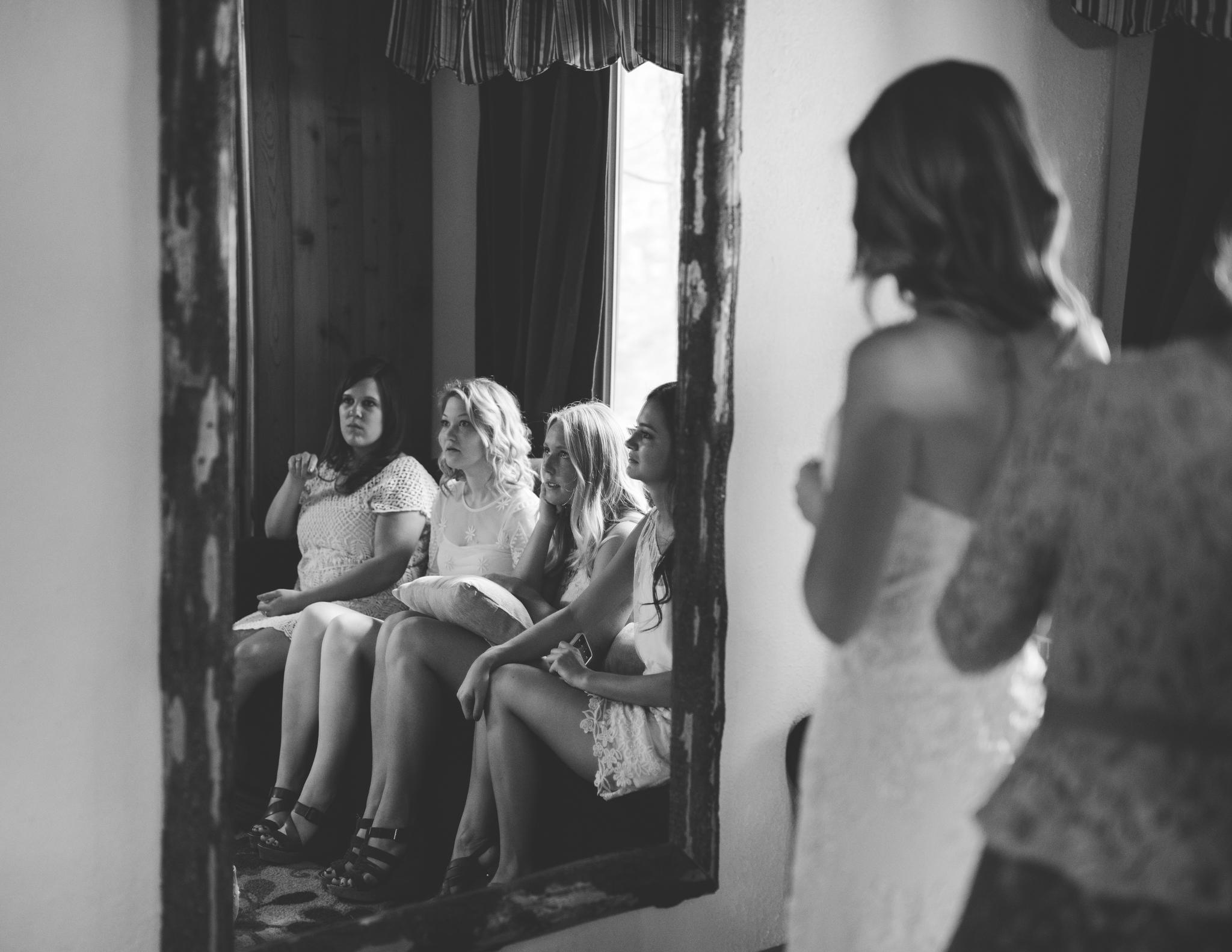 ©Isaiah & Taylor Photography - Pine Rose Cabin - Lake Arrowhead - Los Angeles Wedding Photographer-017.jpg