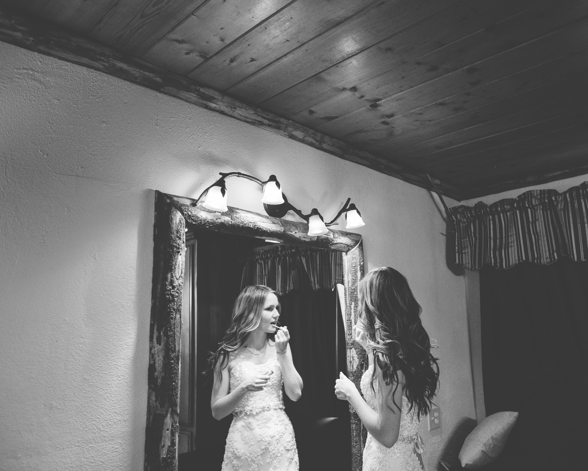 ©Isaiah & Taylor Photography - Pine Rose Cabin - Lake Arrowhead - Los Angeles Wedding Photographer-021.jpg