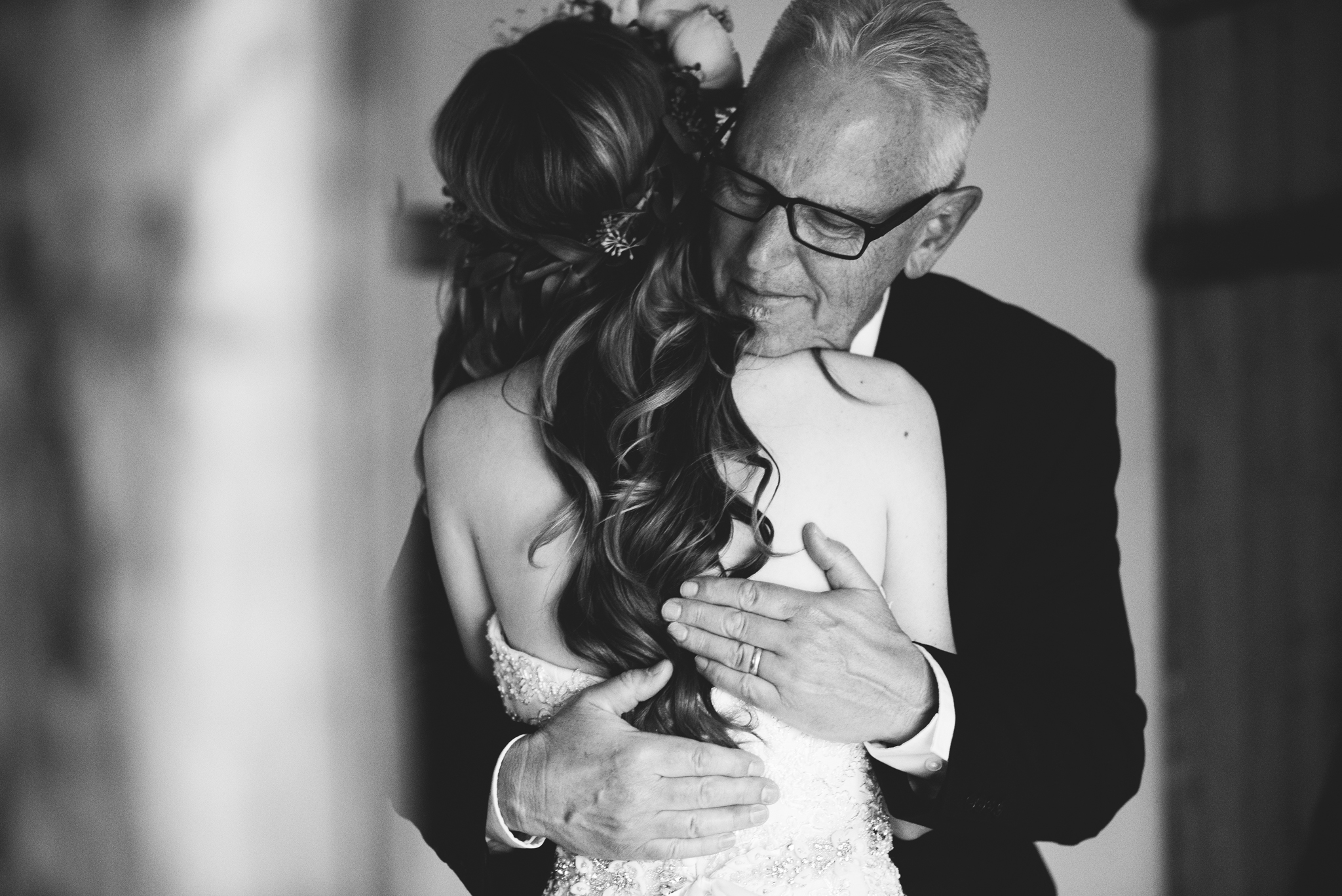 ©Isaiah & Taylor Photography - Pine Rose Cabin - Lake Arrowhead - Los Angeles Wedding Photographer-022.jpg