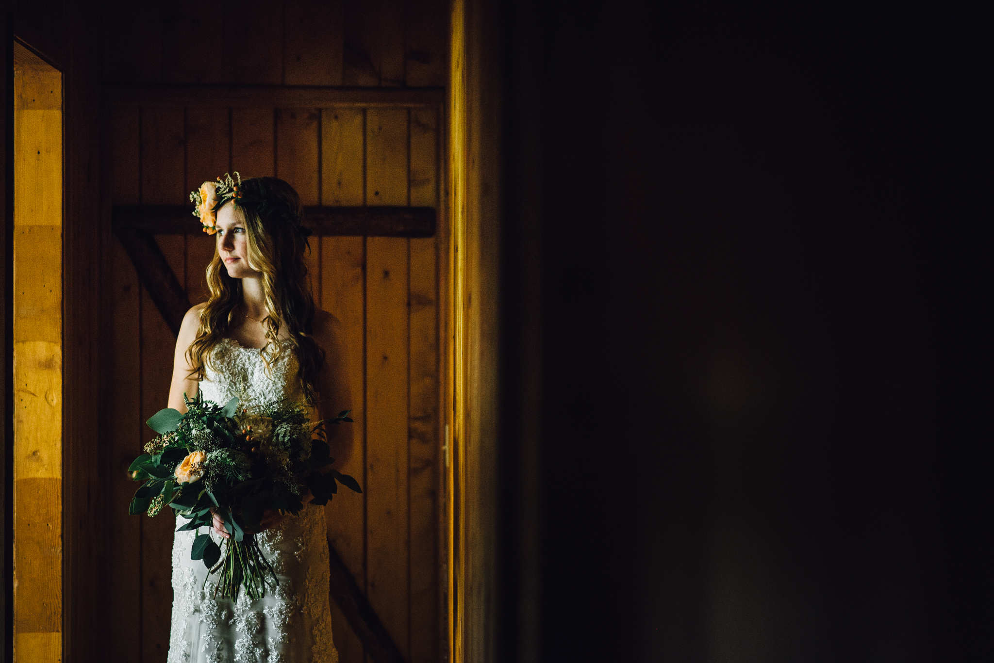 ©Isaiah & Taylor Photography - Pine Rose Cabin - Lake Arrowhead - Los Angeles Wedding Photographer-024.jpg