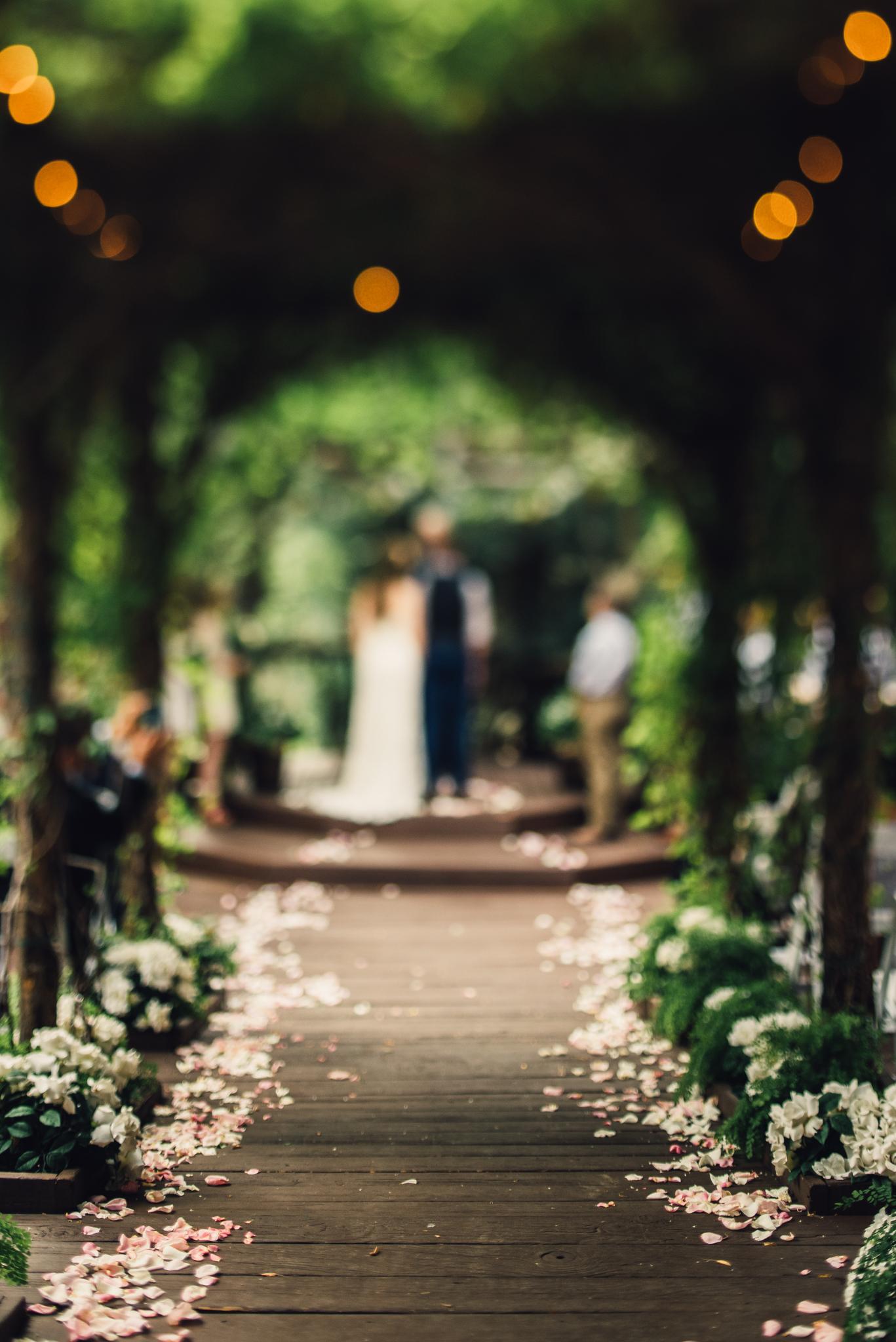 ©Isaiah & Taylor Photography - Pine Rose Cabin - Lake Arrowhead - Los Angeles Wedding Photographer-047.jpg