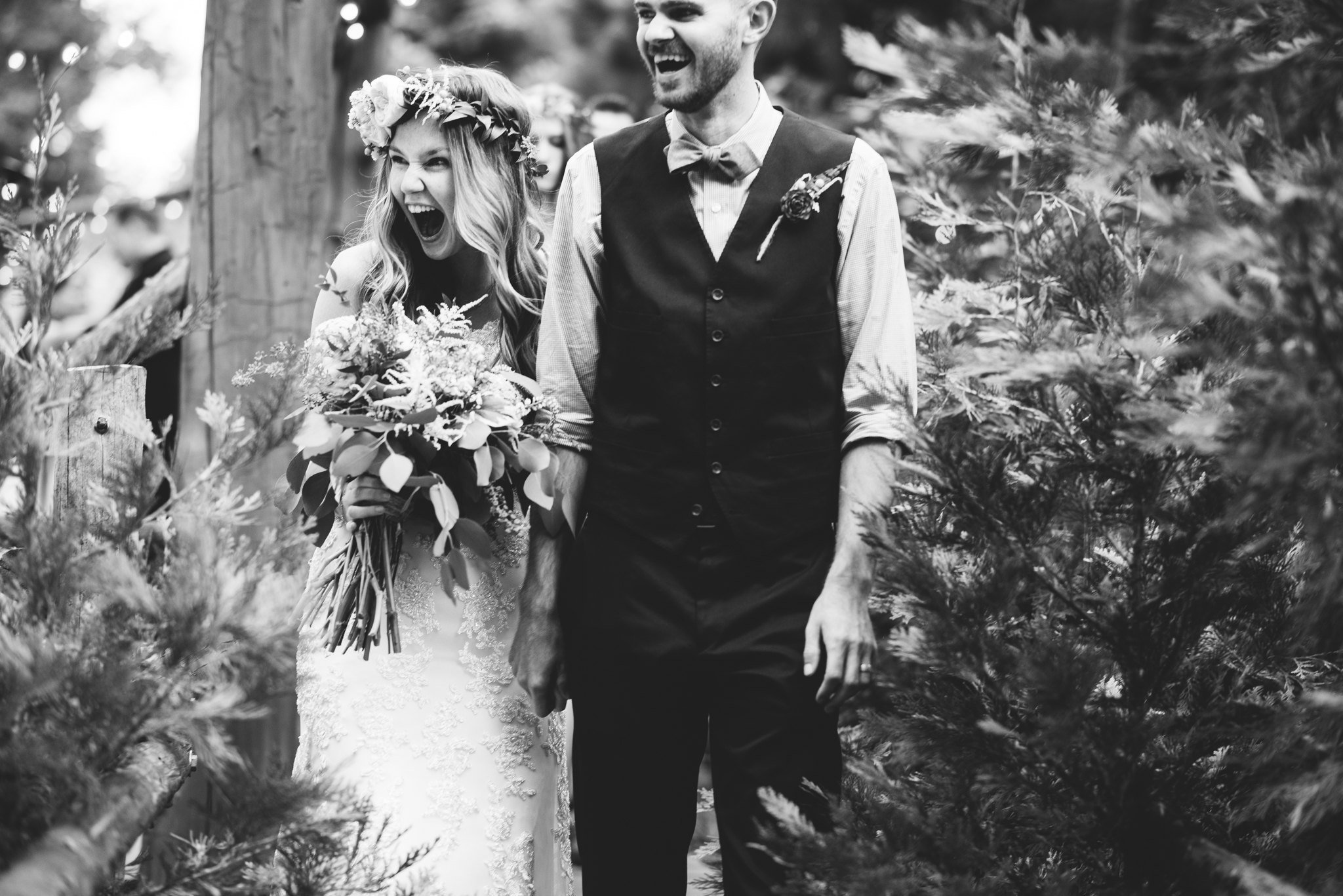 ©Isaiah & Taylor Photography - Pine Rose Cabin - Lake Arrowhead - Los Angeles Wedding Photographer-051.jpg