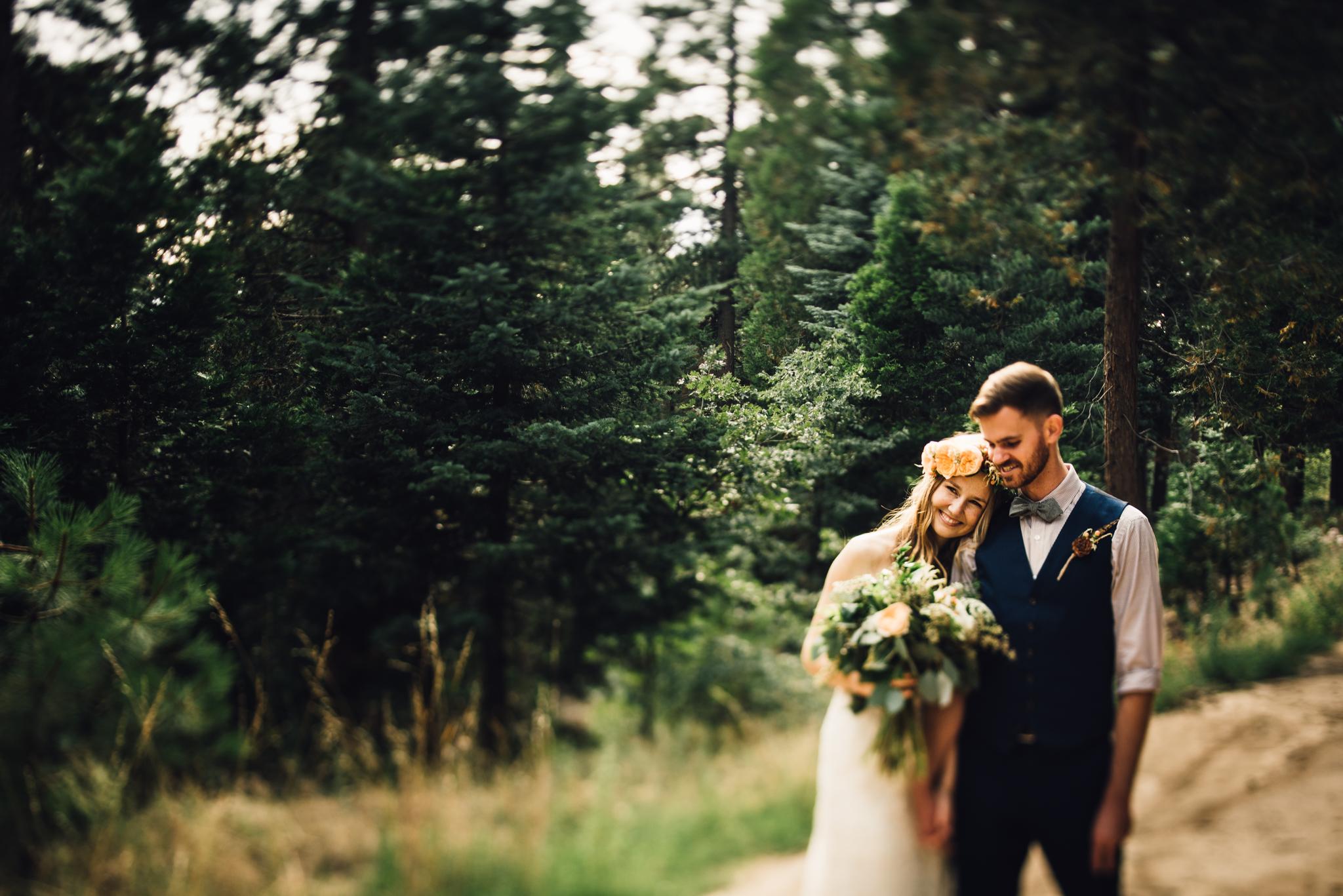 ©Isaiah & Taylor Photography - Pine Rose Cabin - Lake Arrowhead - Los Angeles Wedding Photographer-065.jpg