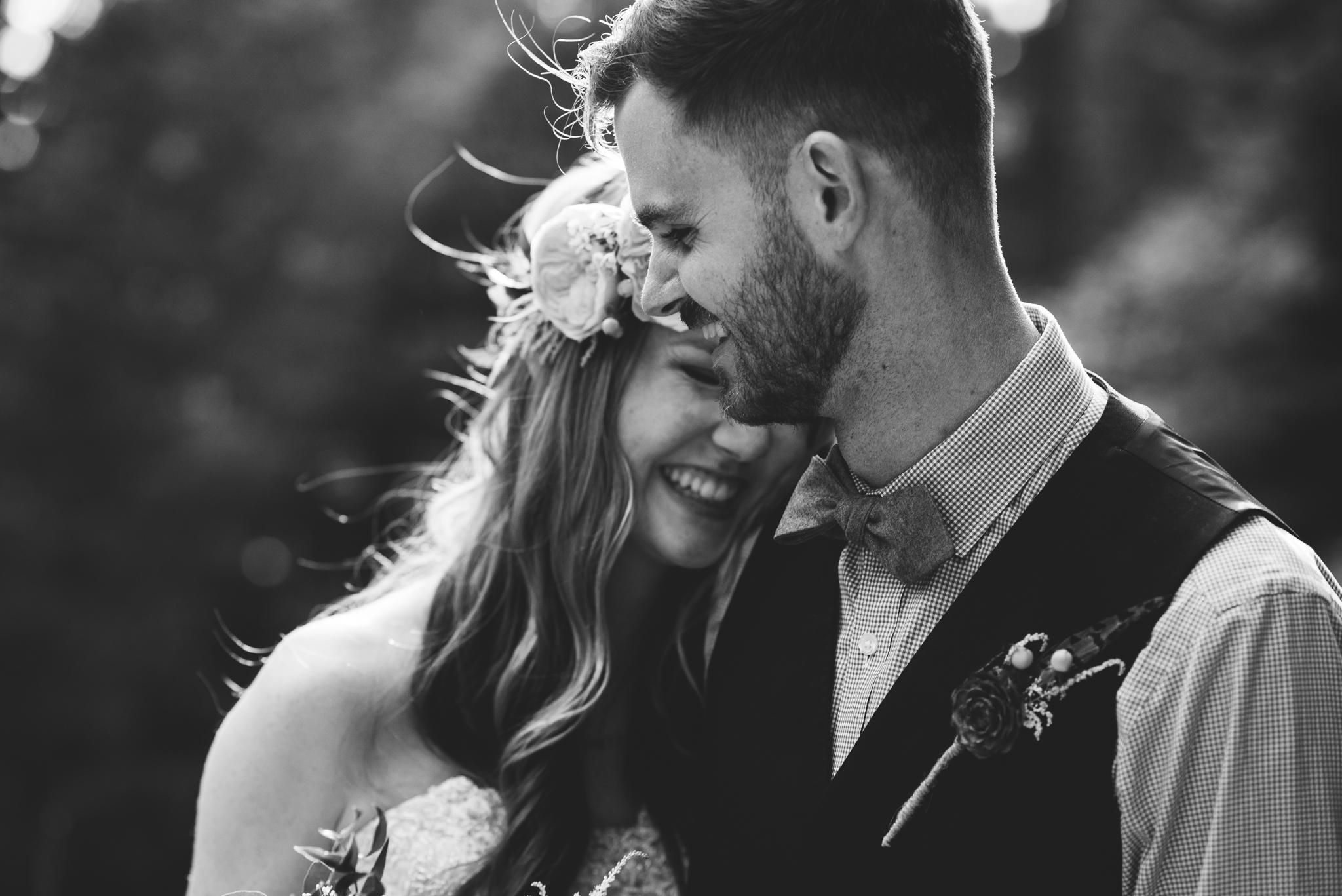 ©Isaiah & Taylor Photography - Pine Rose Cabin - Lake Arrowhead - Los Angeles Wedding Photographer-066.jpg