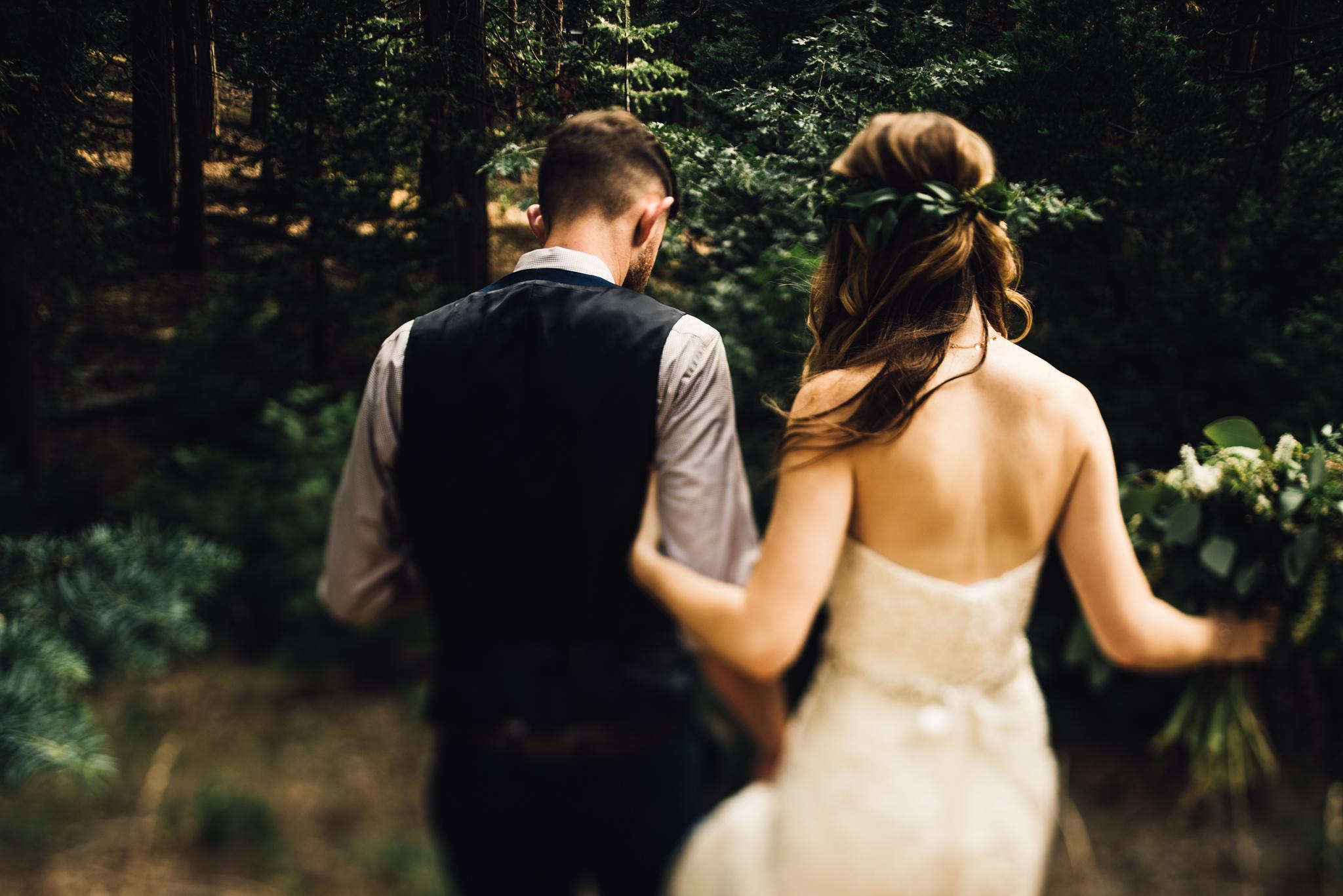 ©Isaiah & Taylor Photography - Pine Rose Cabin - Lake Arrowhead - Los Angeles Wedding Photographer-067.jpg