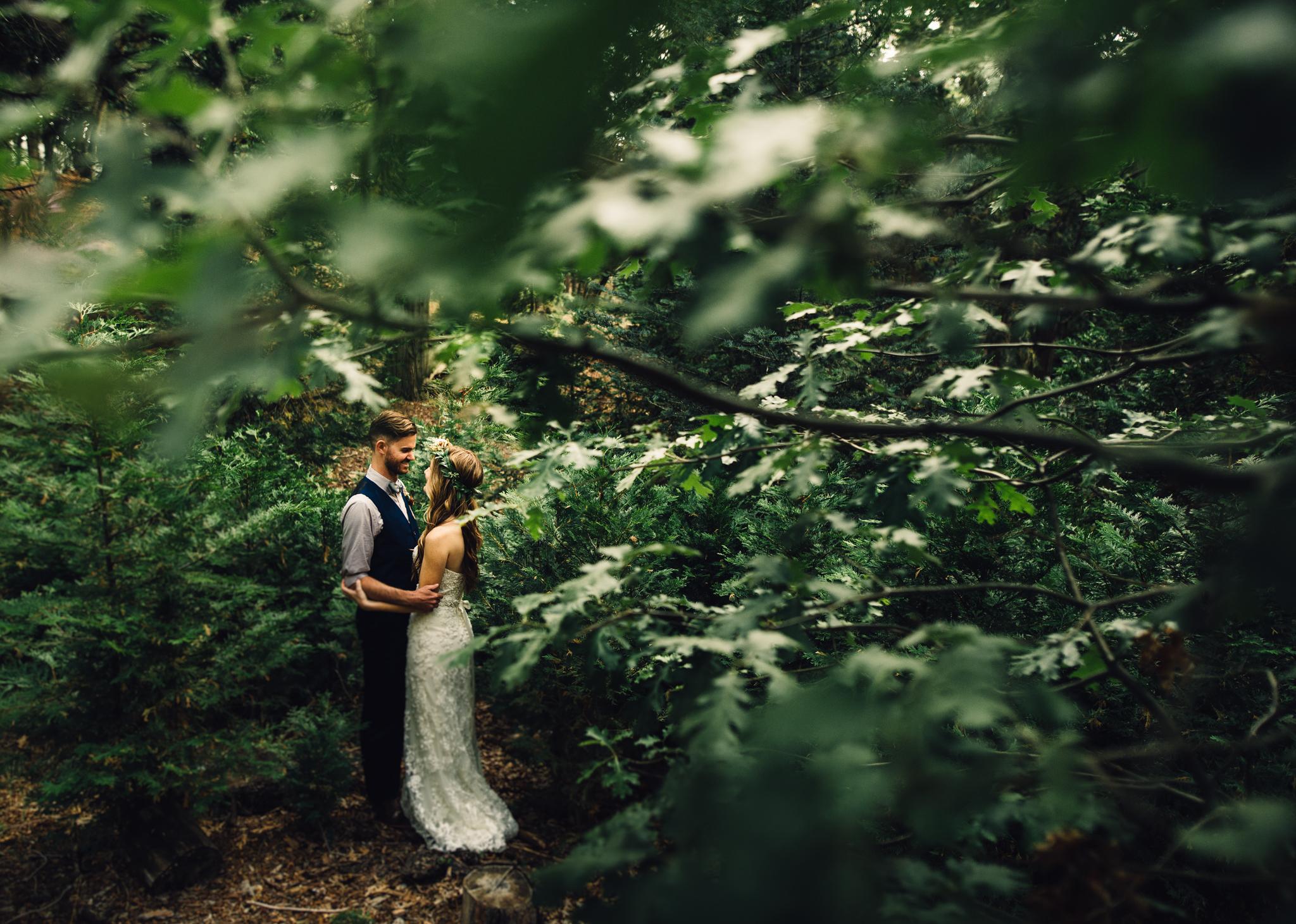 ©Isaiah & Taylor Photography - Pine Rose Cabin - Lake Arrowhead - Los Angeles Wedding Photographer-073.jpg