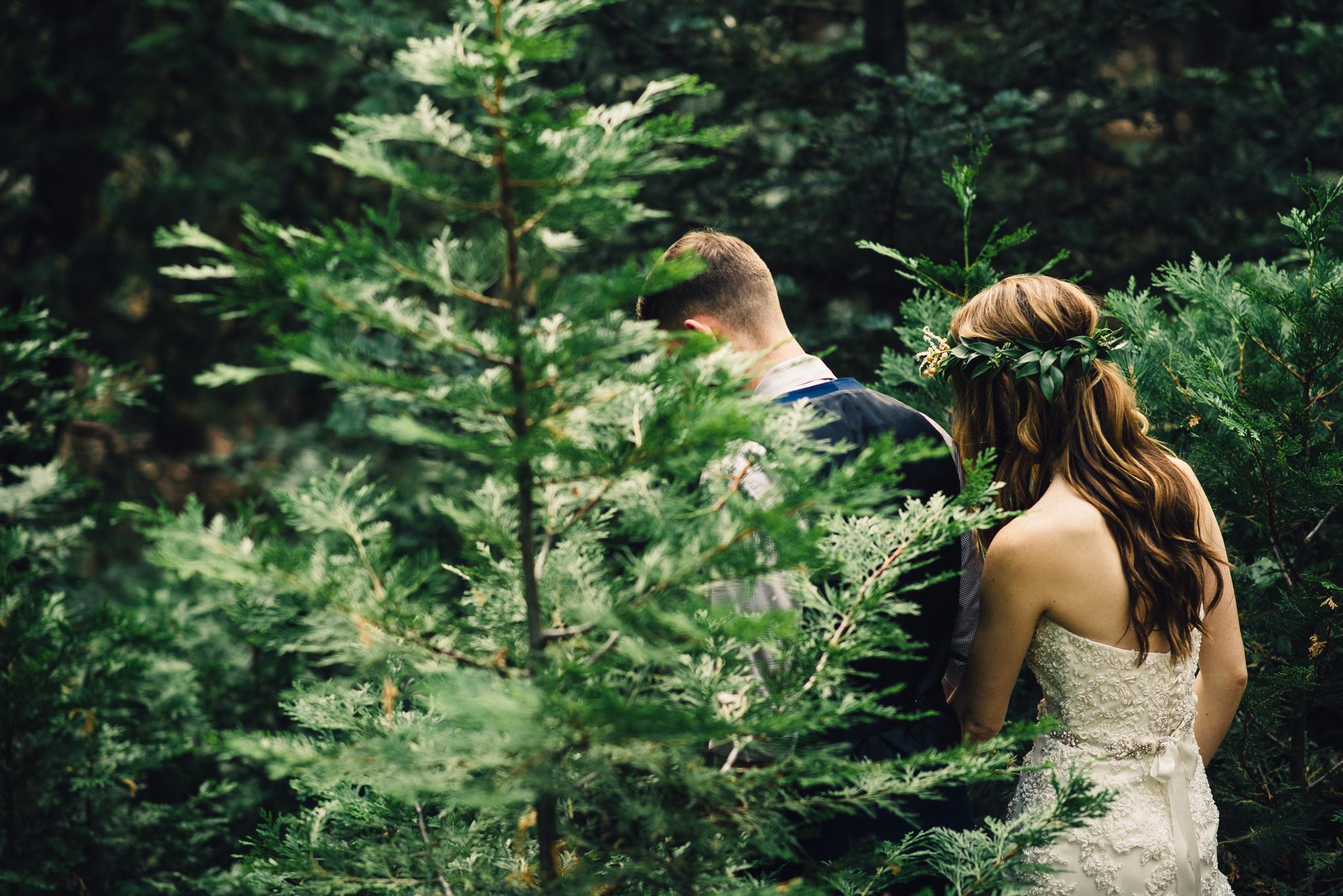 ©Isaiah & Taylor Photography - Pine Rose Cabin - Lake Arrowhead - Los Angeles Wedding Photographer-082.jpg