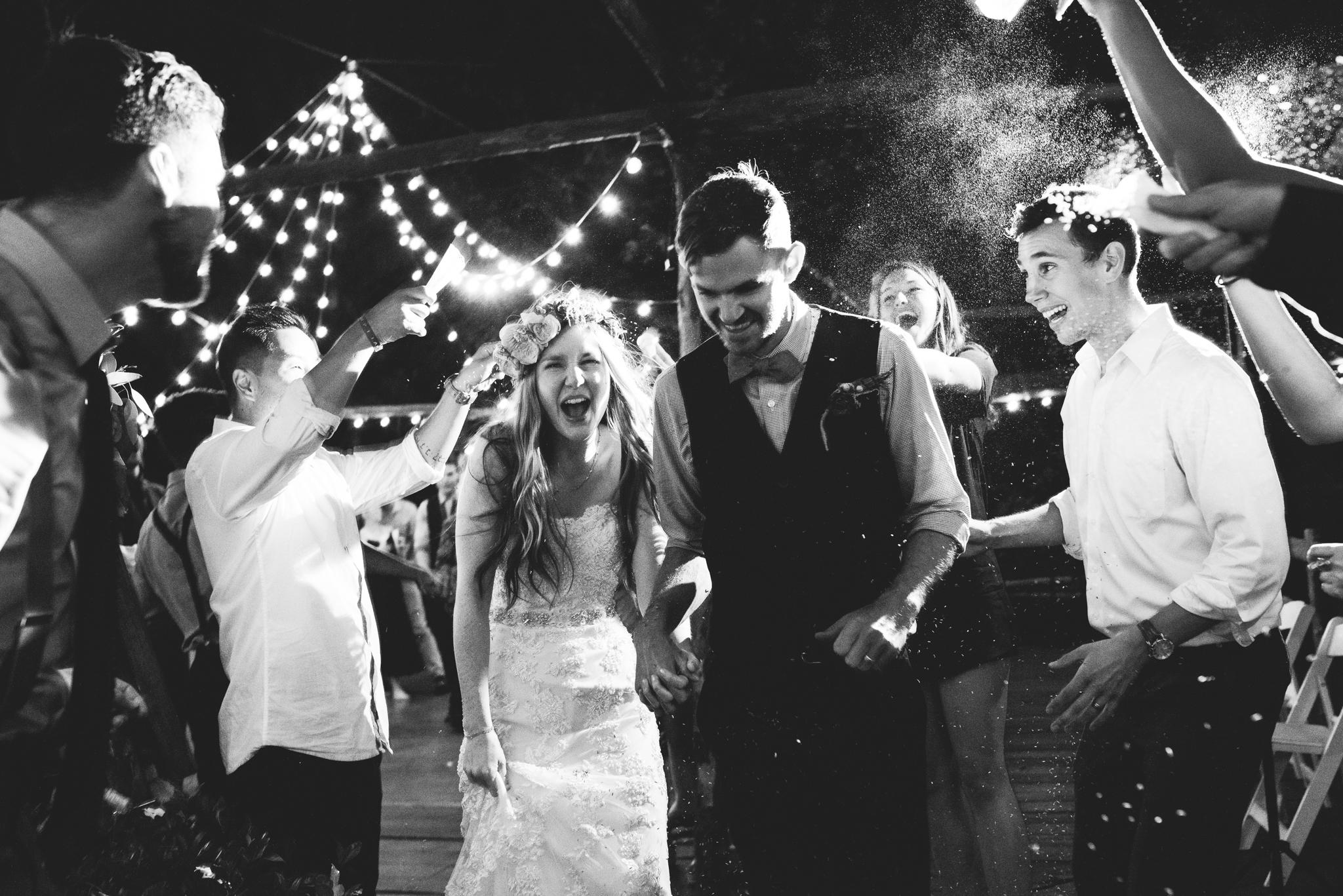 ©Isaiah & Taylor Photography - Pine Rose Cabin - Lake Arrowhead - Los Angeles Wedding Photographer-153.jpg