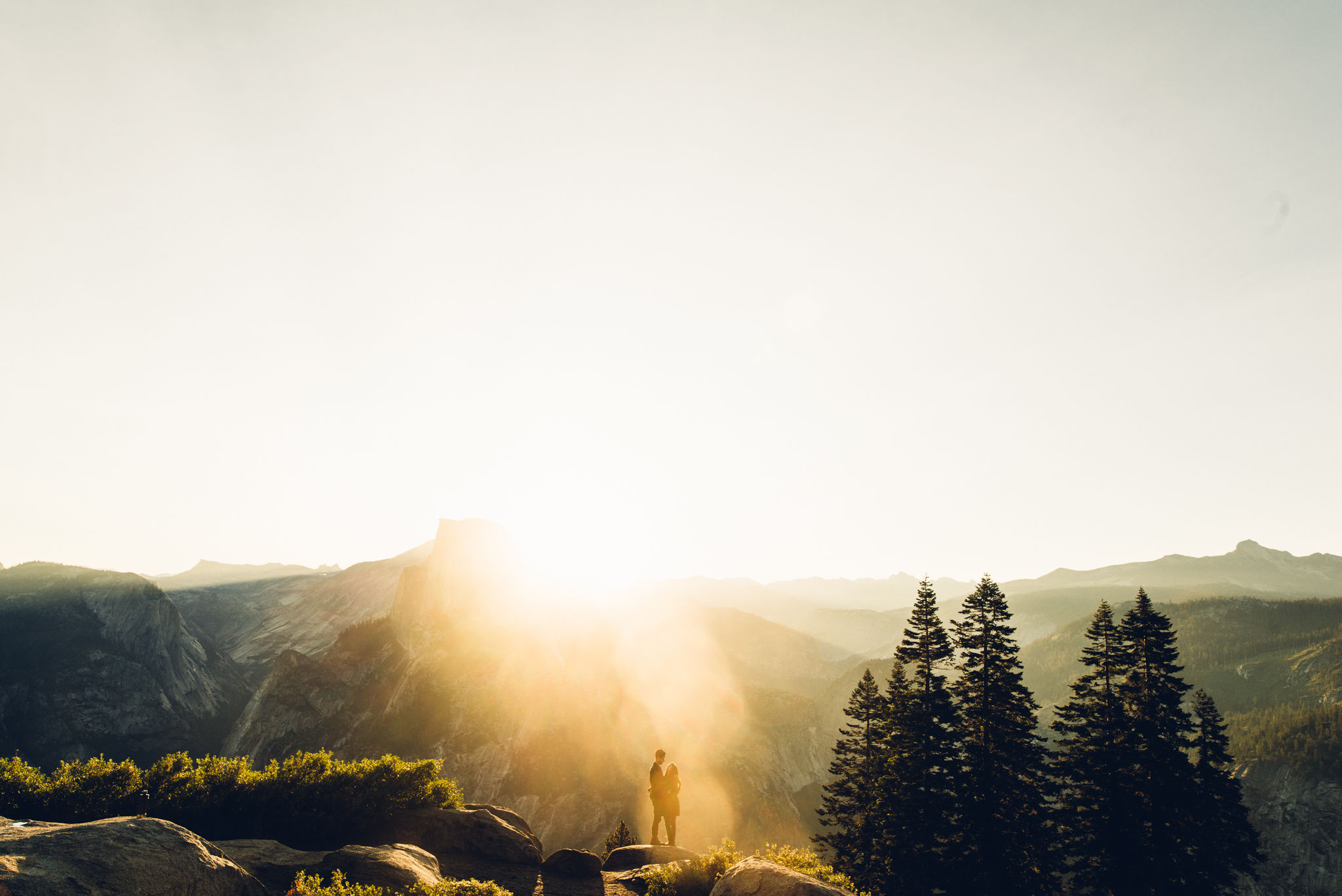 ©Isaiah & Taylor Photography - Los Angeles Destination Wedding Photographer - Yosemite National Park Hiking Adventure Engagement - Glacier Point Sunrise-023.jpg