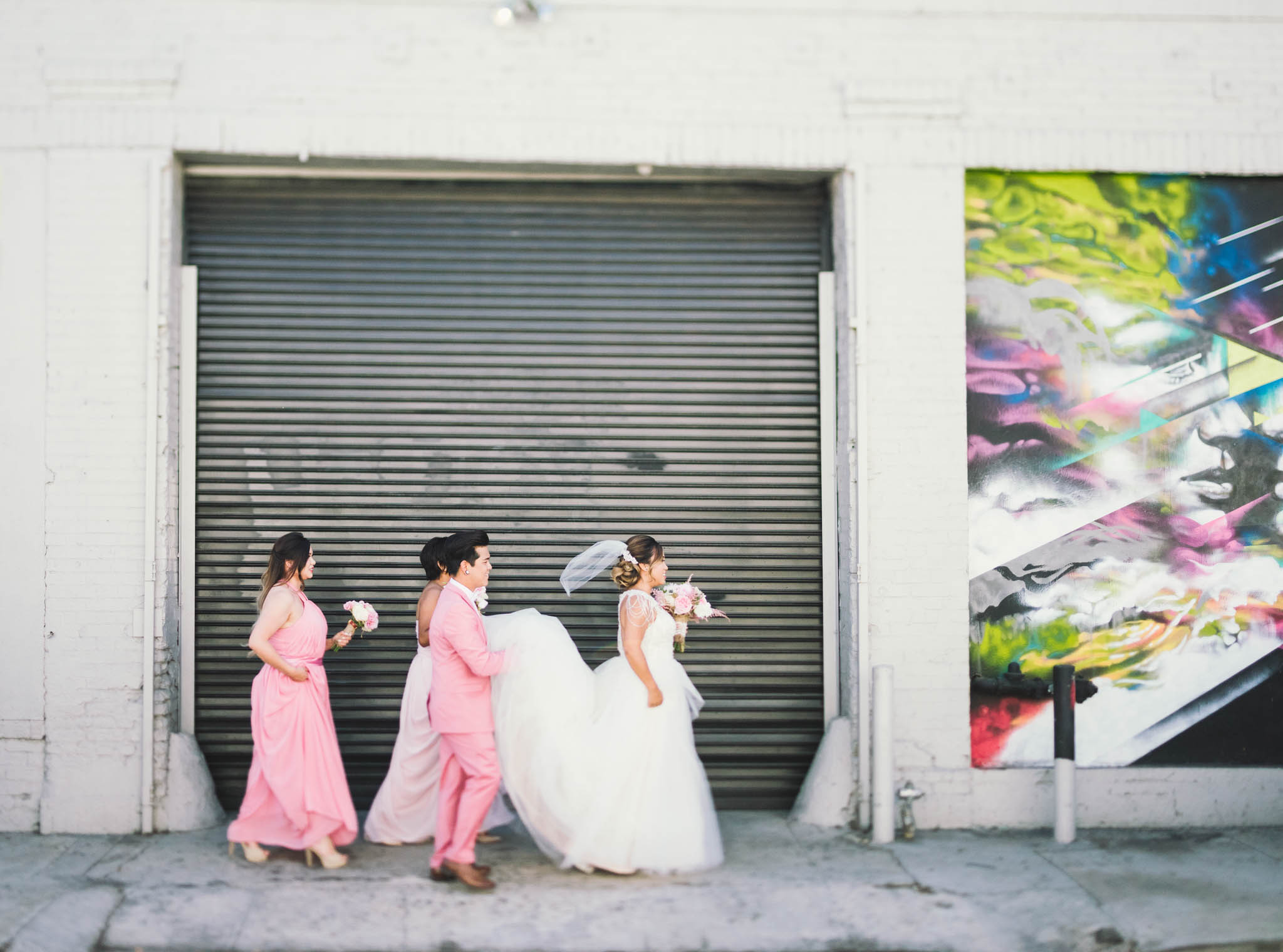 ©Isaiah & Taylor Photography - Los Angeles Wedding Photographer - Lot 613 Warehouse Space-16.jpg