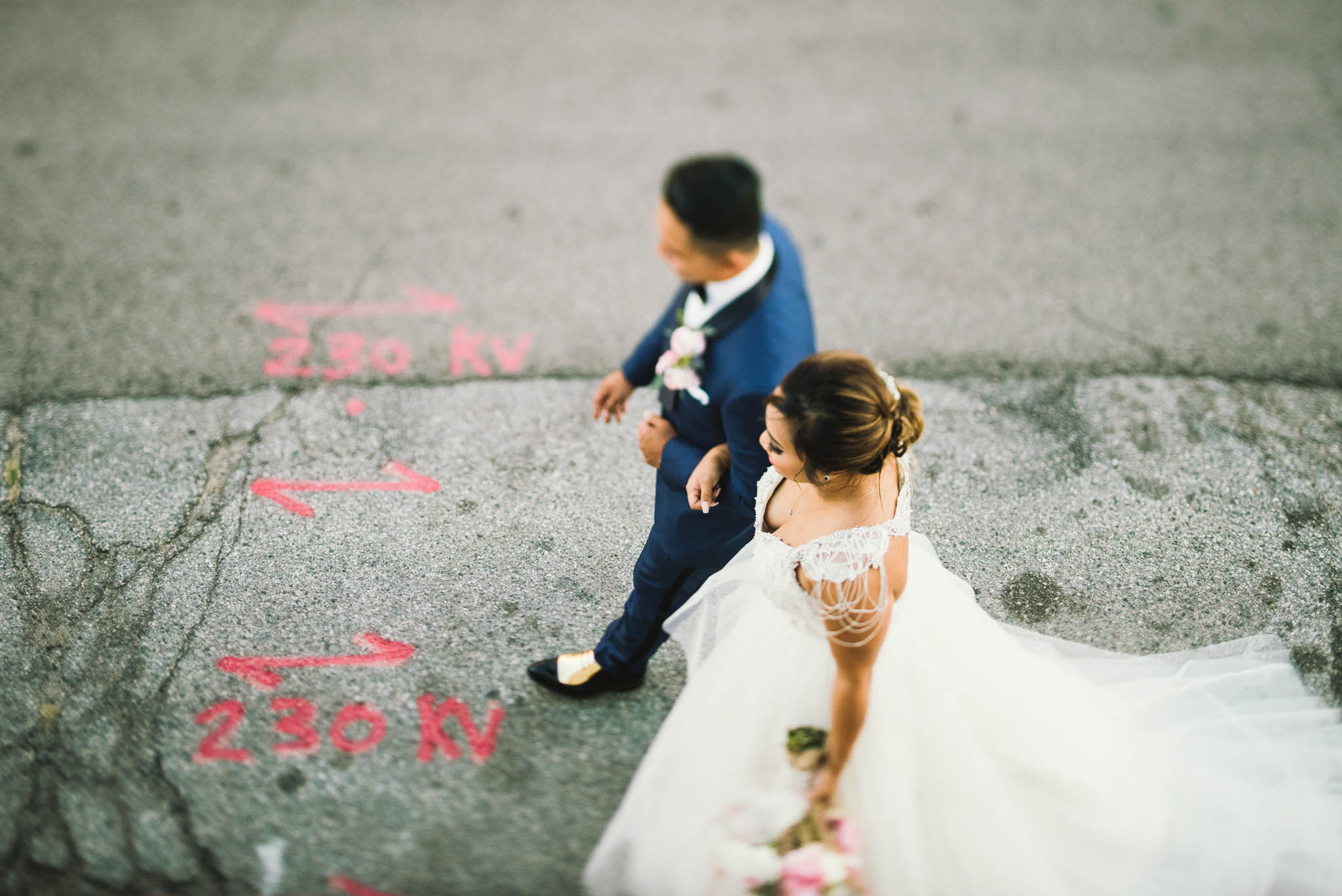 ©Isaiah & Taylor Photography - Los Angeles Wedding Photographer - Lot 613 Warehouse Space-36.jpg