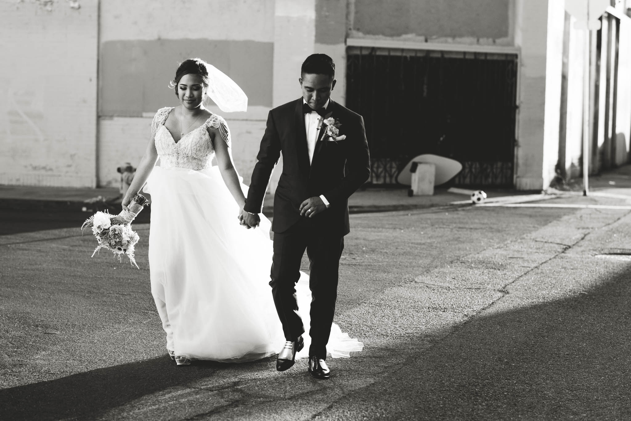 ©Isaiah & Taylor Photography - Los Angeles Wedding Photographer - Lot 613 Warehouse Space-43.jpg