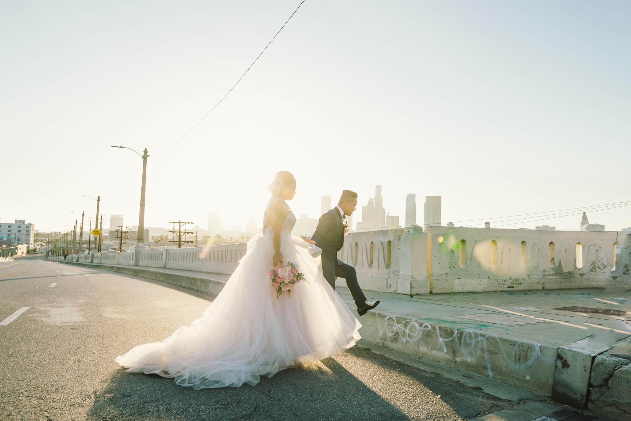 ©Isaiah & Taylor Photography - Los Angeles Wedding Photographer - Lot 613 Warehouse Space-54.jpg