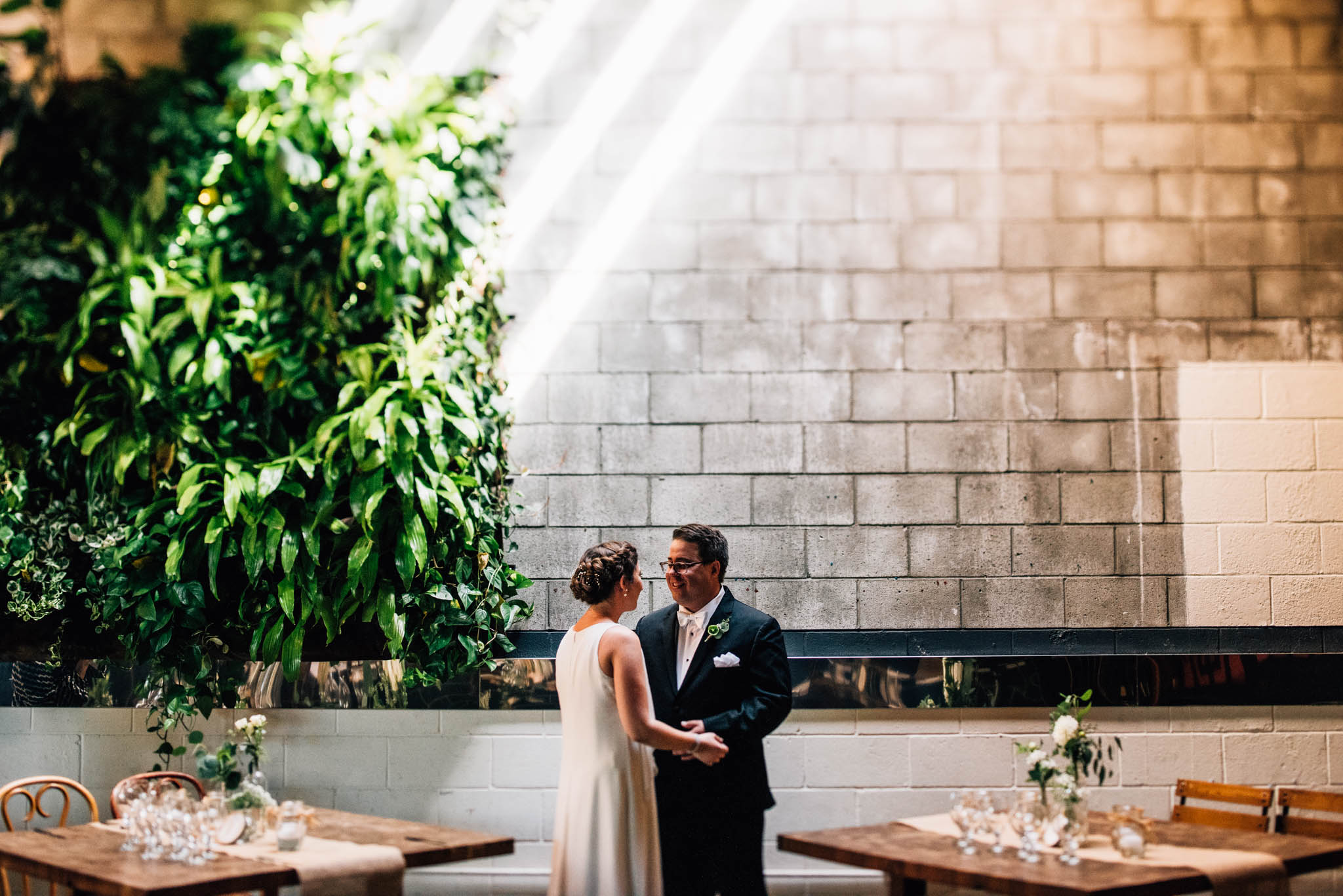 ©Isaiah & Taylor Photography - Los Angeles Wedding Photographer - Urban Downtown Warehouse Wedding- Smog Shoppe, Culver City-22.jpg