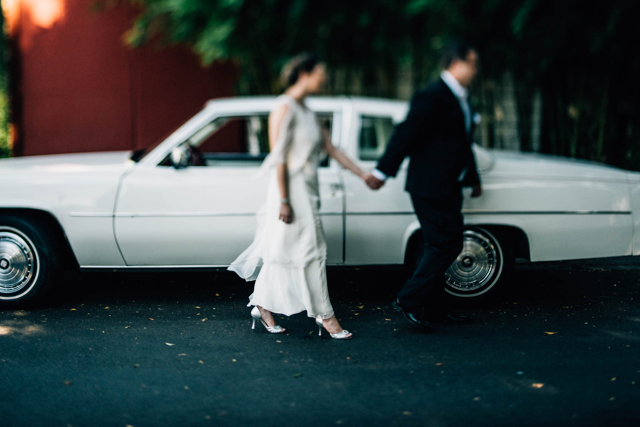 ©Isaiah & Taylor Photography - Los Angeles Wedding Photographer - Urban Downtown Warehouse Wedding- Smog Shoppe, Culver City-25.jpg
