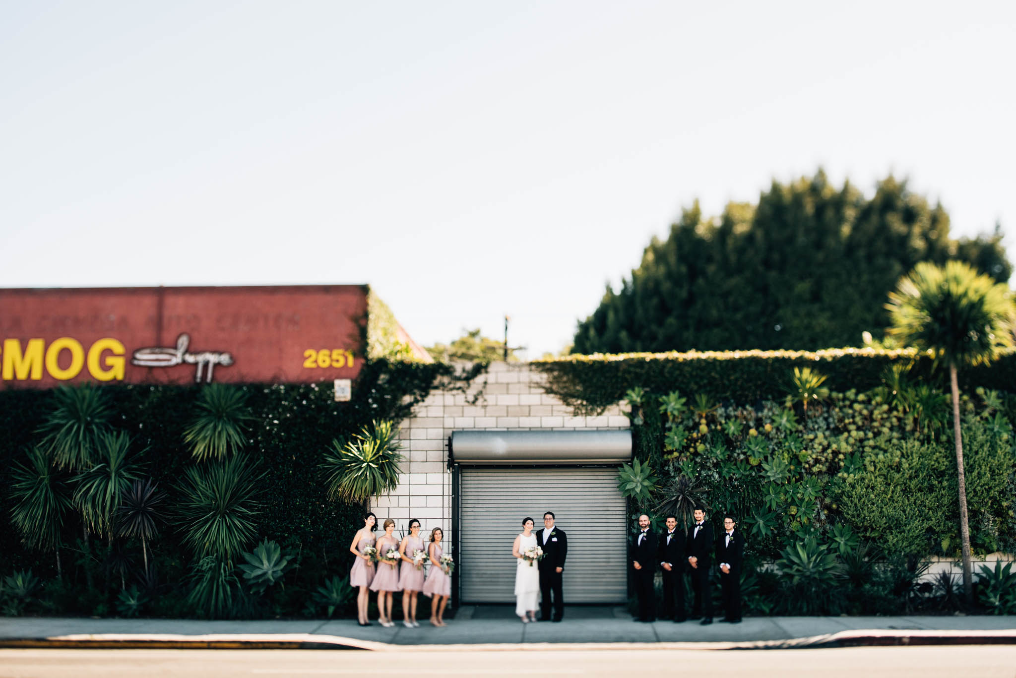 ©Isaiah & Taylor Photography - Los Angeles Wedding Photographer - Urban Downtown Warehouse Wedding- Smog Shoppe, Culver City-37.jpg