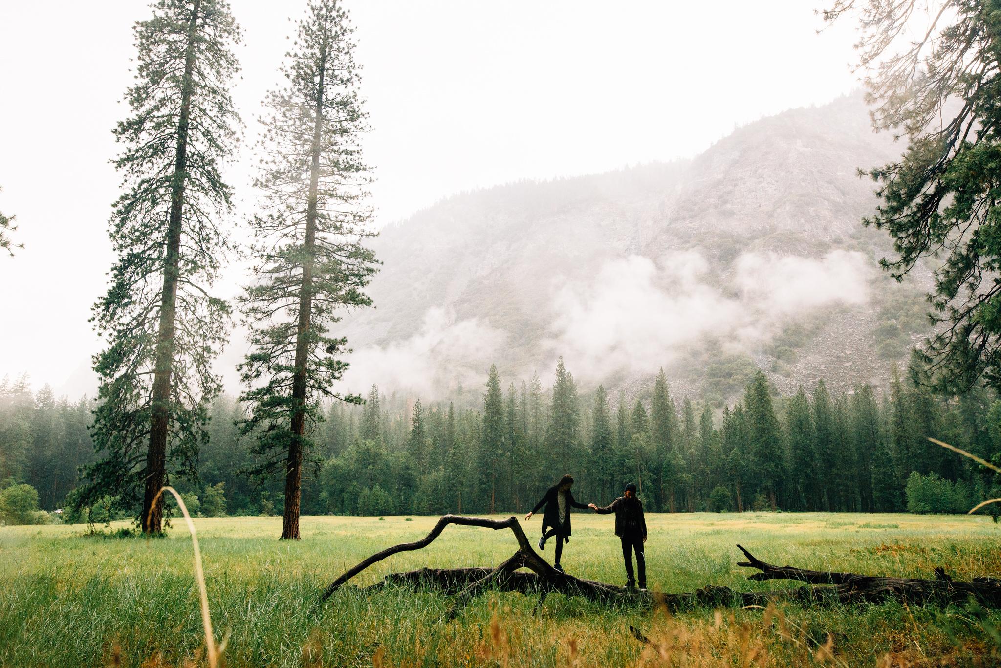 ©Isaiah & Taylor Photography - Los Angeles Wedding Photographer - Yosemite -013.jpg
