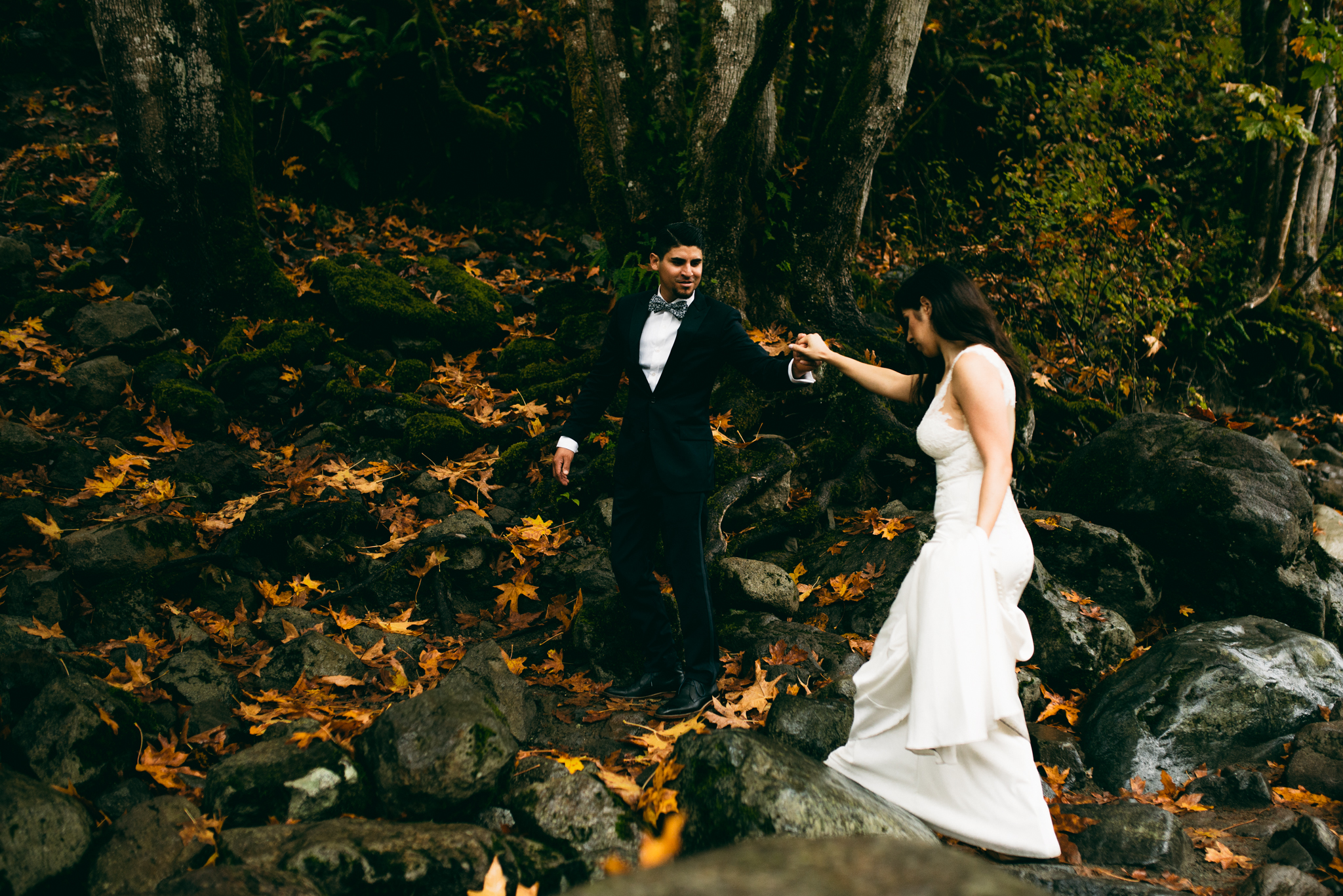 ©Isaiah & Taylor Photography - Los Angeles Wedding - Snoqualmie, Washington Honeymoon-019.jpg