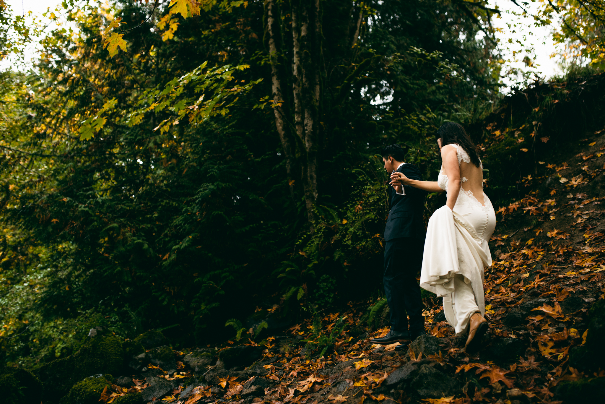 ©Isaiah & Taylor Photography - Los Angeles Wedding - Snoqualmie, Washington Honeymoon-020.jpg