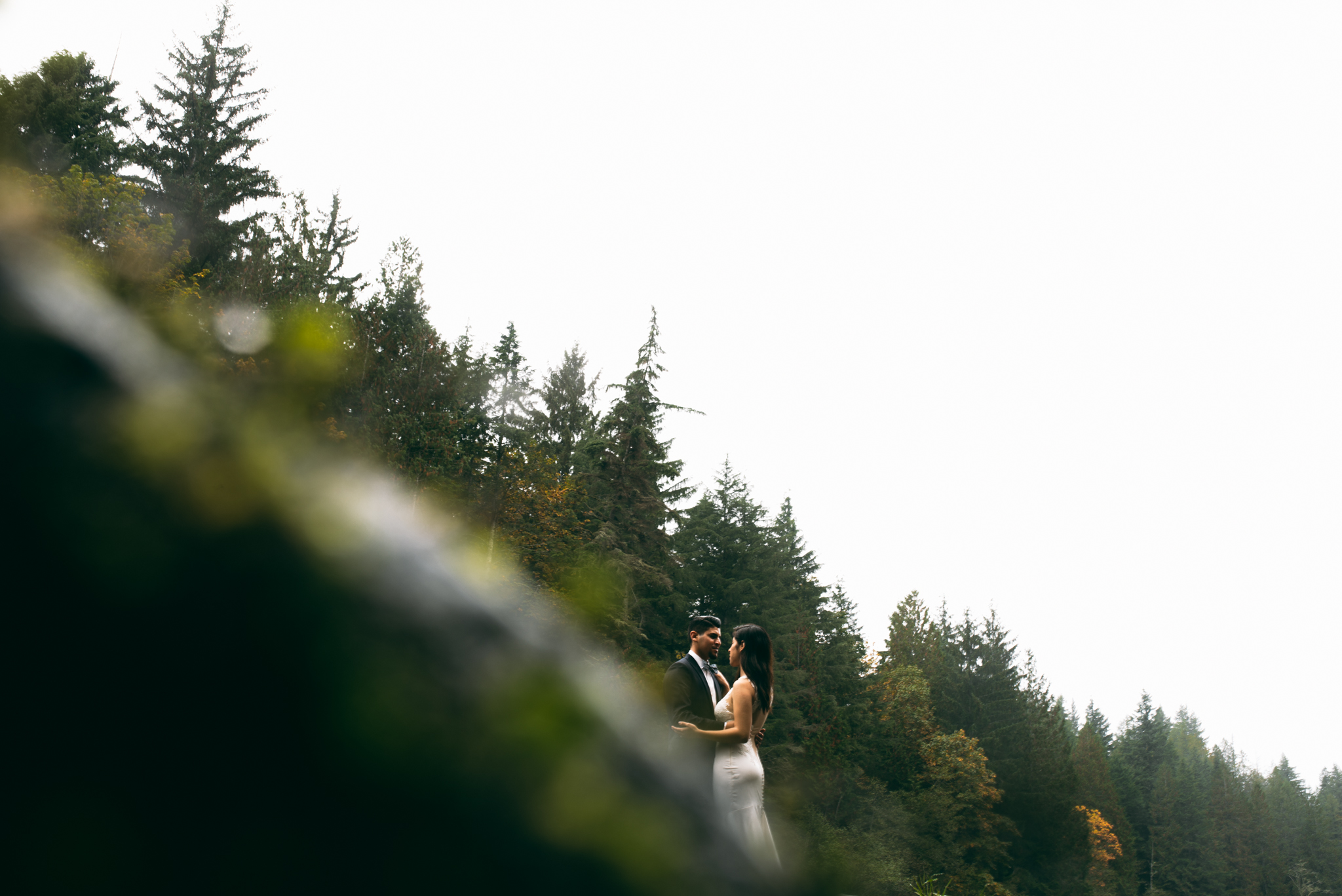 ©Isaiah & Taylor Photography - Los Angeles Wedding - Snoqualmie, Washington Honeymoon-032.jpg