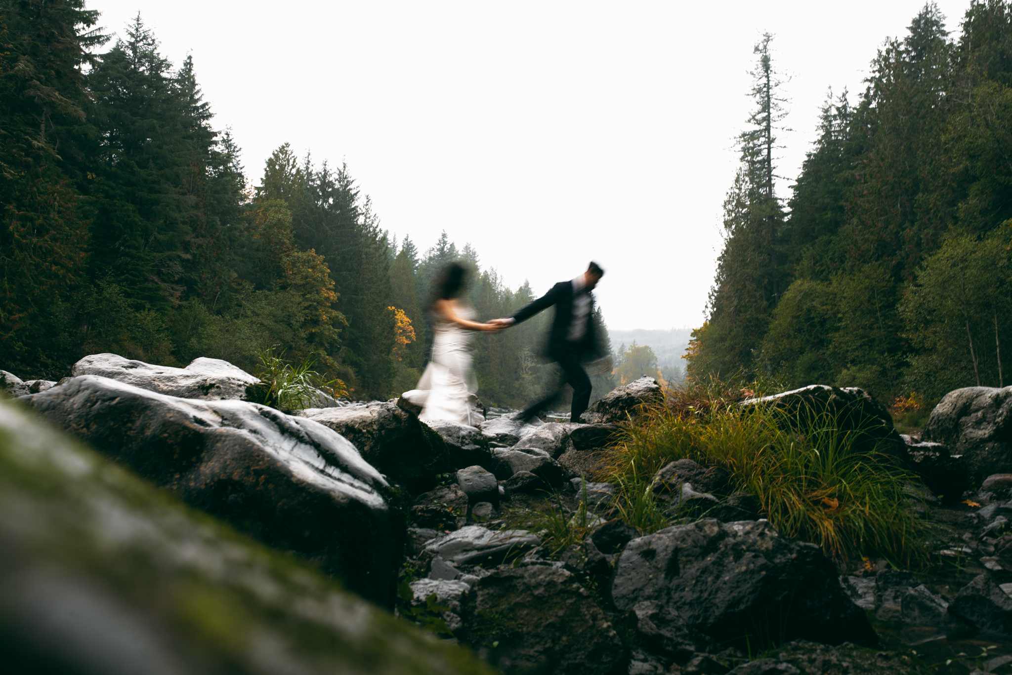 ©Isaiah & Taylor Photography - Los Angeles Wedding - Snoqualmie, Washington Honeymoon-033.jpg