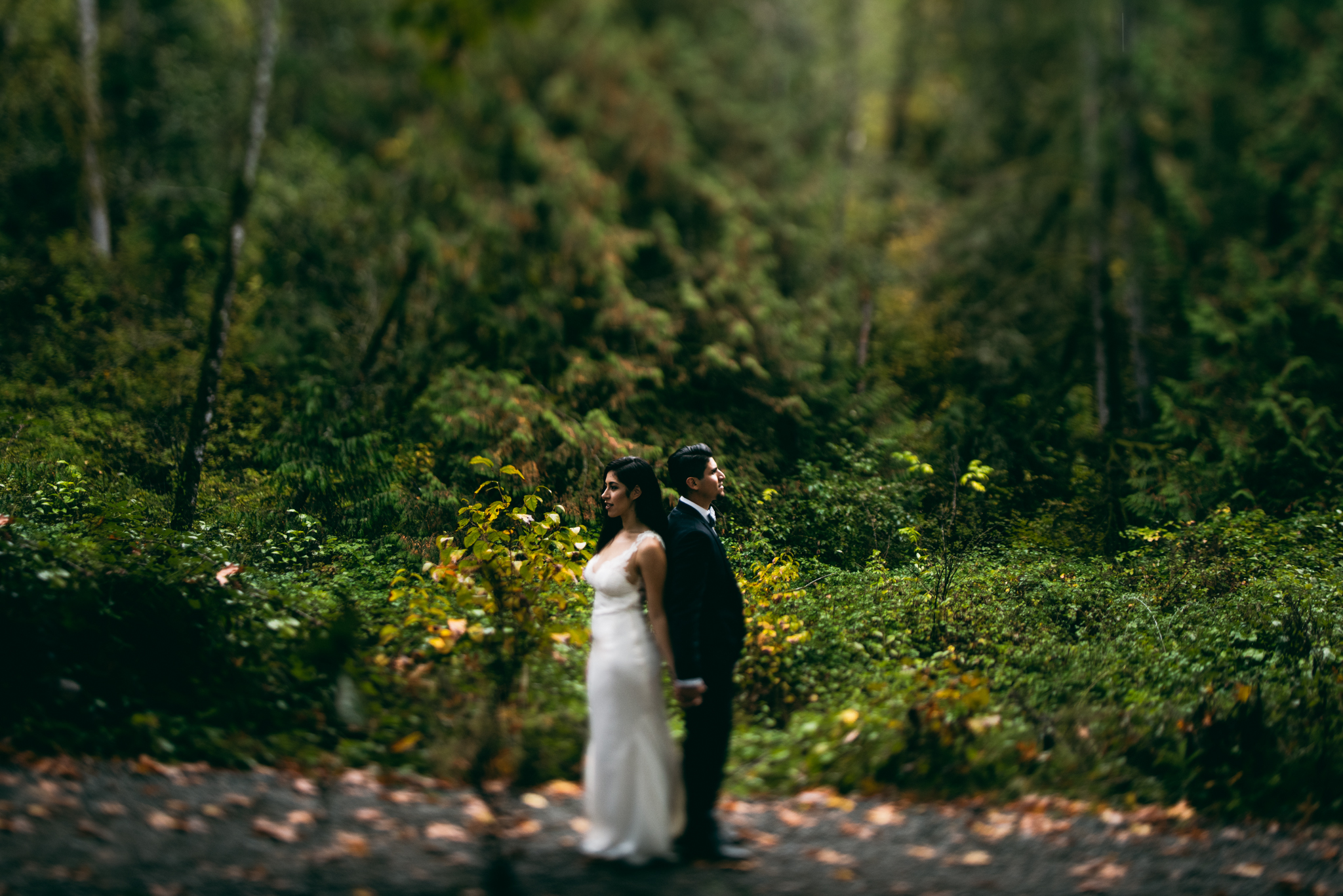 ©Isaiah & Taylor Photography - Los Angeles Wedding - Snoqualmie, Washington Honeymoon-038.jpg