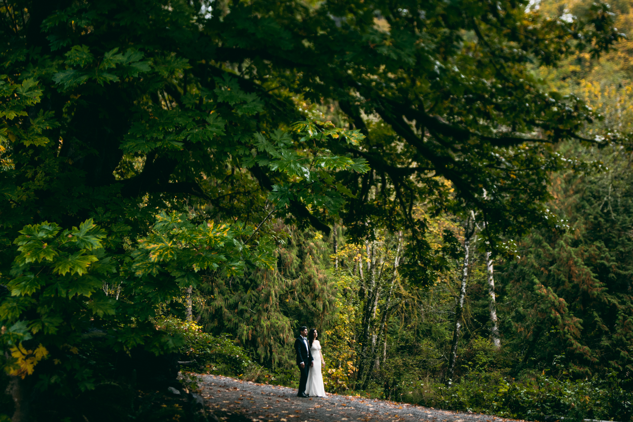 ©Isaiah & Taylor Photography - Los Angeles Wedding - Snoqualmie, Washington Honeymoon-040.jpg