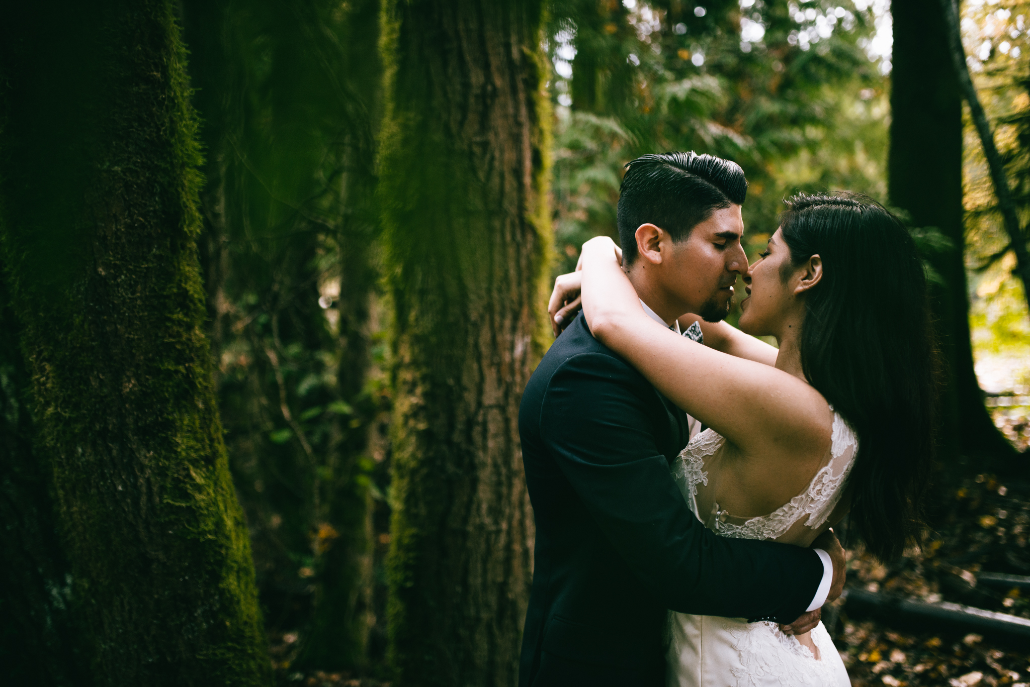 ©Isaiah & Taylor Photography - Los Angeles Wedding - Snoqualmie, Washington Honeymoon-042.jpg