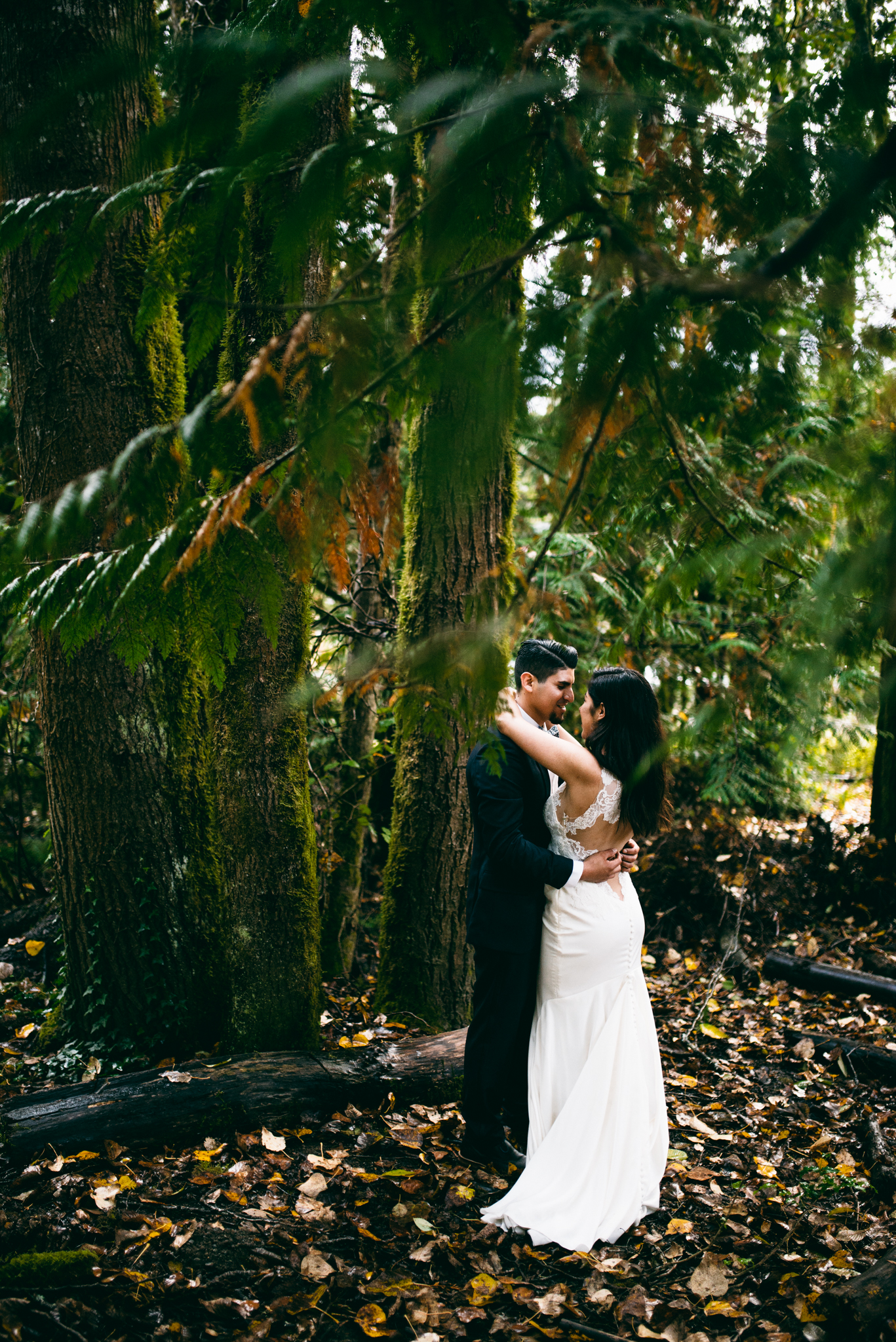 ©Isaiah & Taylor Photography - Los Angeles Wedding - Snoqualmie, Washington Honeymoon-043.jpg