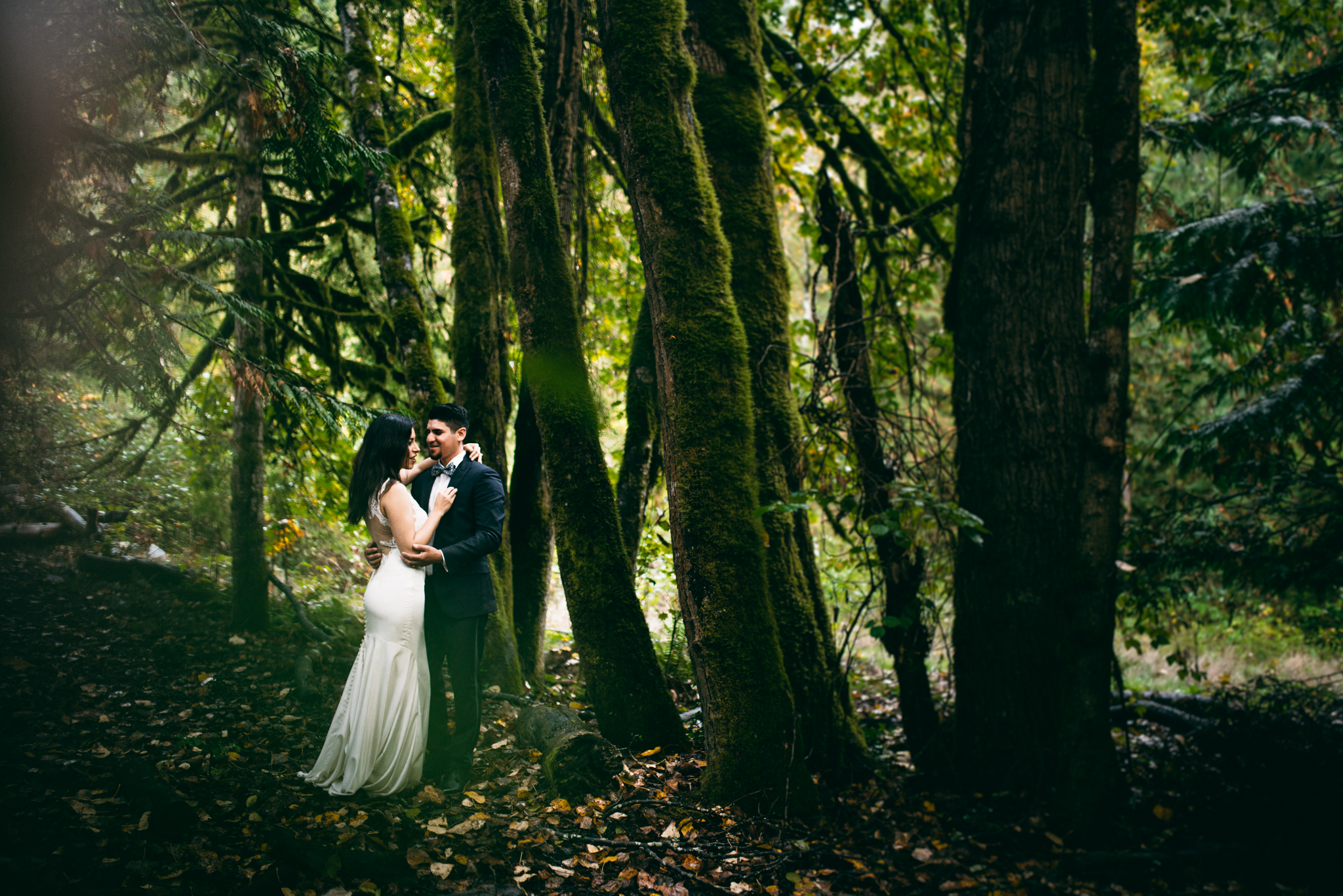 ©Isaiah & Taylor Photography - Los Angeles Wedding - Snoqualmie, Washington Honeymoon-045.jpg