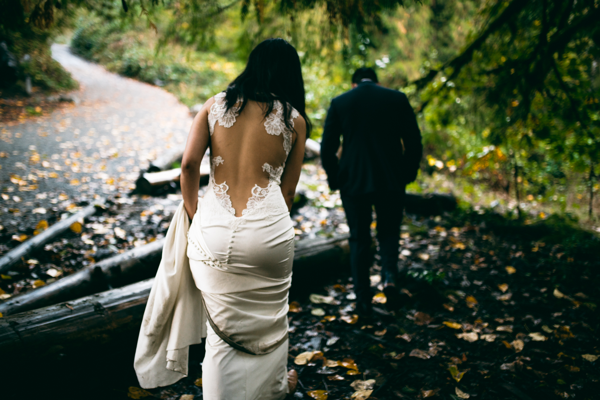 ©Isaiah & Taylor Photography - Los Angeles Wedding - Snoqualmie, Washington Honeymoon-046.jpg