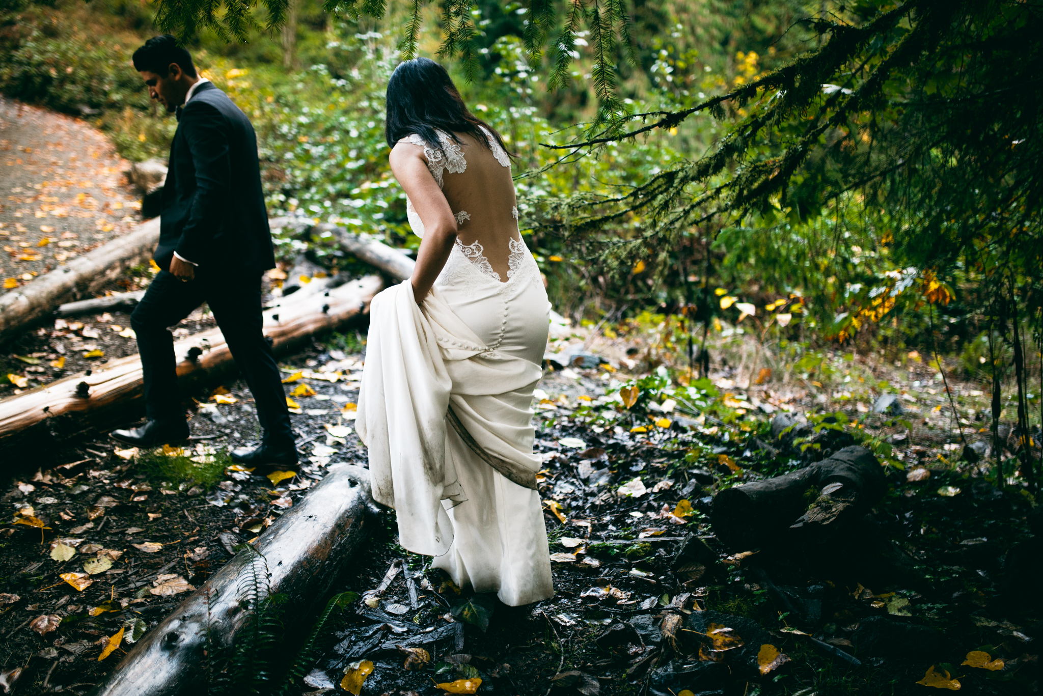 ©Isaiah & Taylor Photography - Los Angeles Wedding - Snoqualmie, Washington Honeymoon-047.jpg