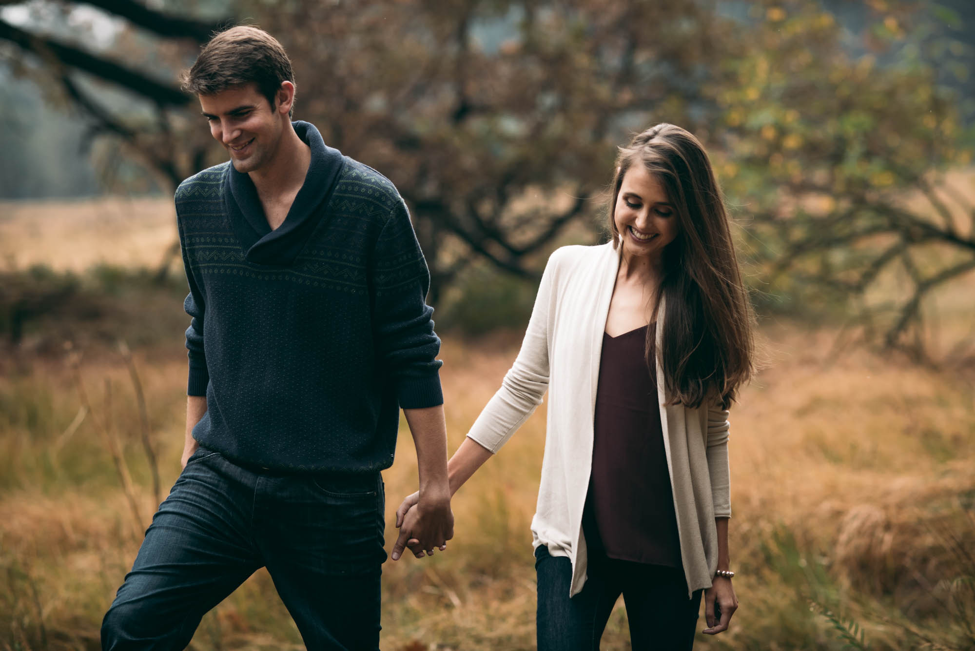 ©Isaiah & Taylor Photography - Stormy Cliffside Engagement, Yosemite California-11.jpg