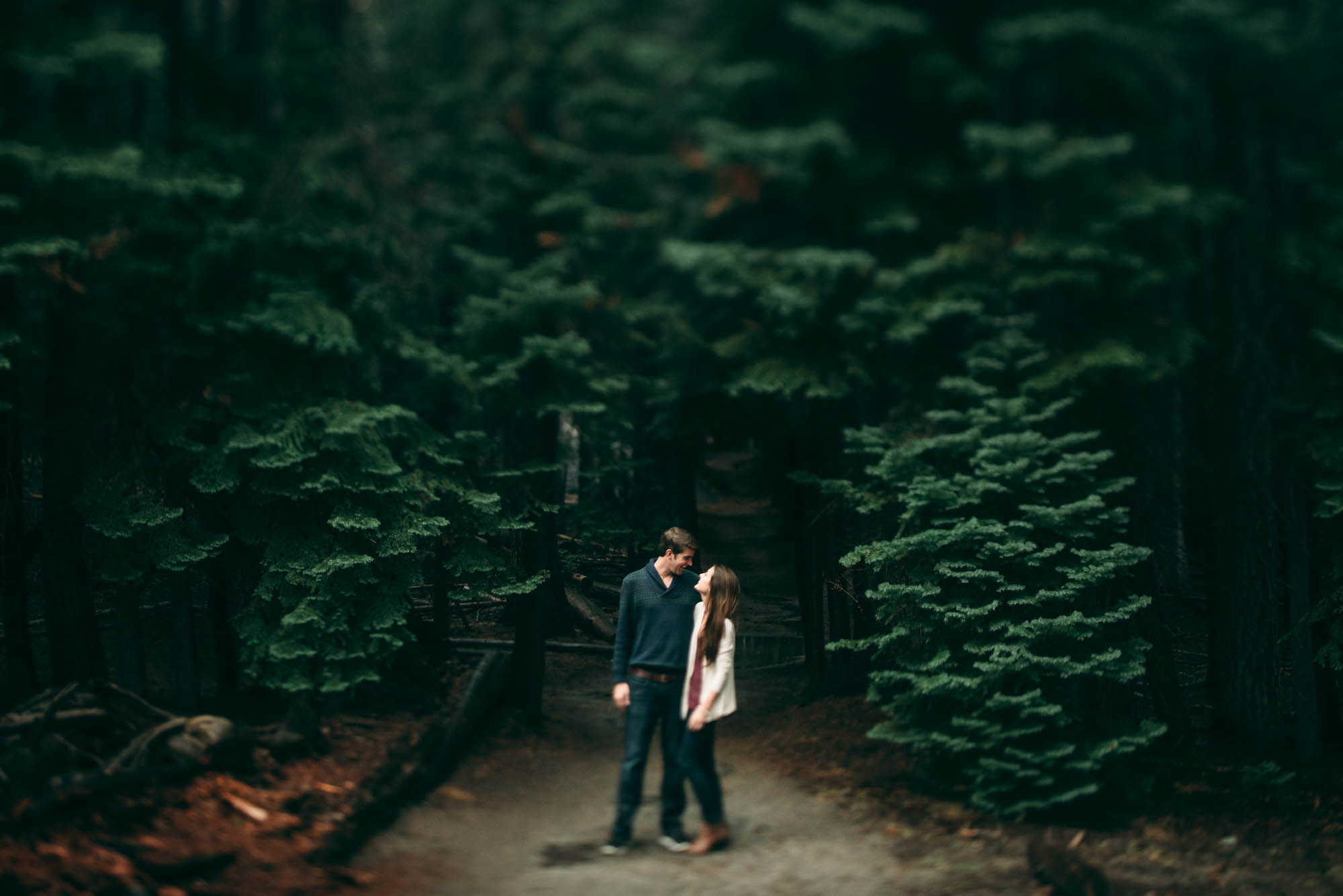 ©Isaiah & Taylor Photography - Stormy Cliffside Engagement, Yosemite California-19.jpg