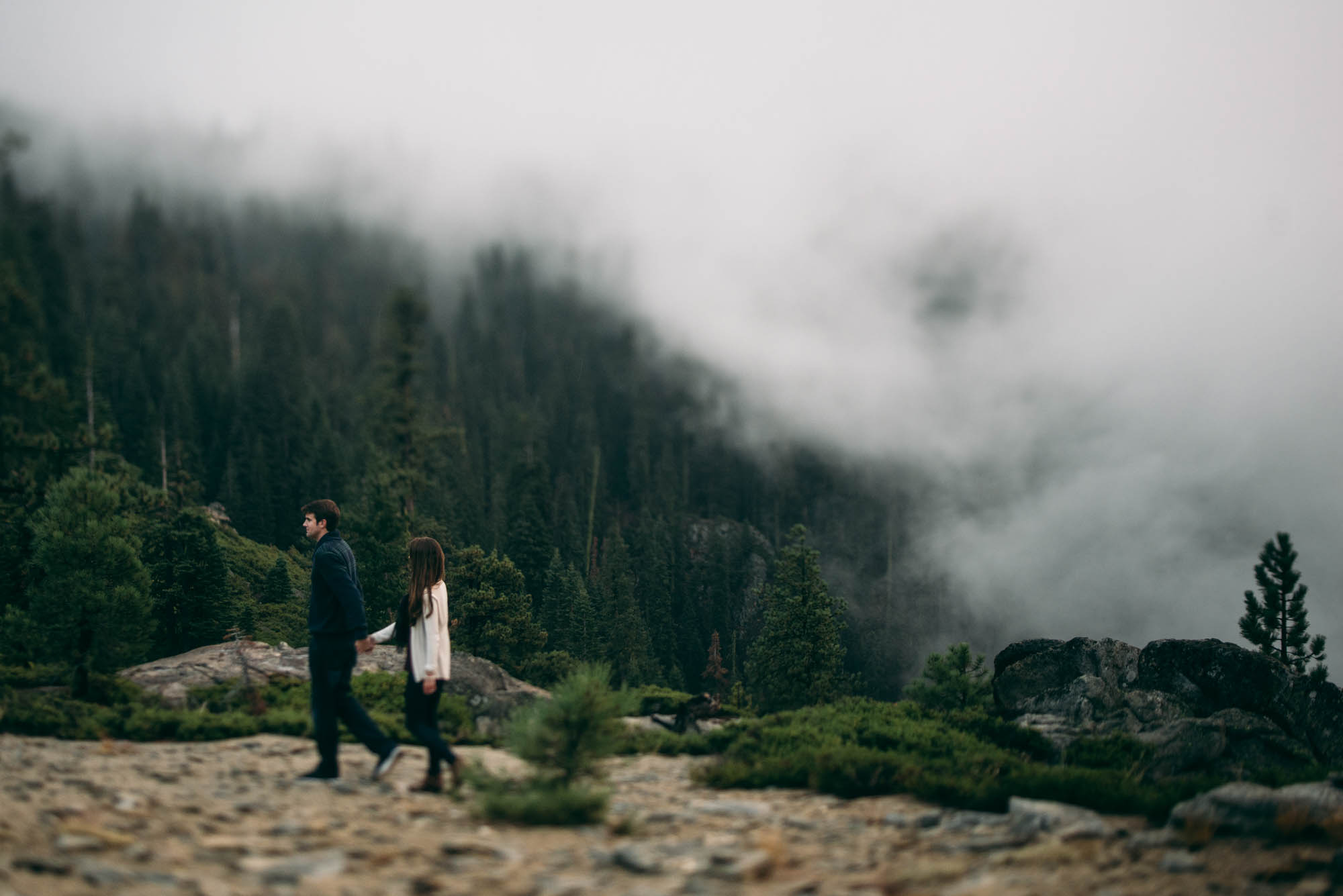 ©Isaiah & Taylor Photography - Stormy Cliffside Engagement, Yosemite California-20.jpg