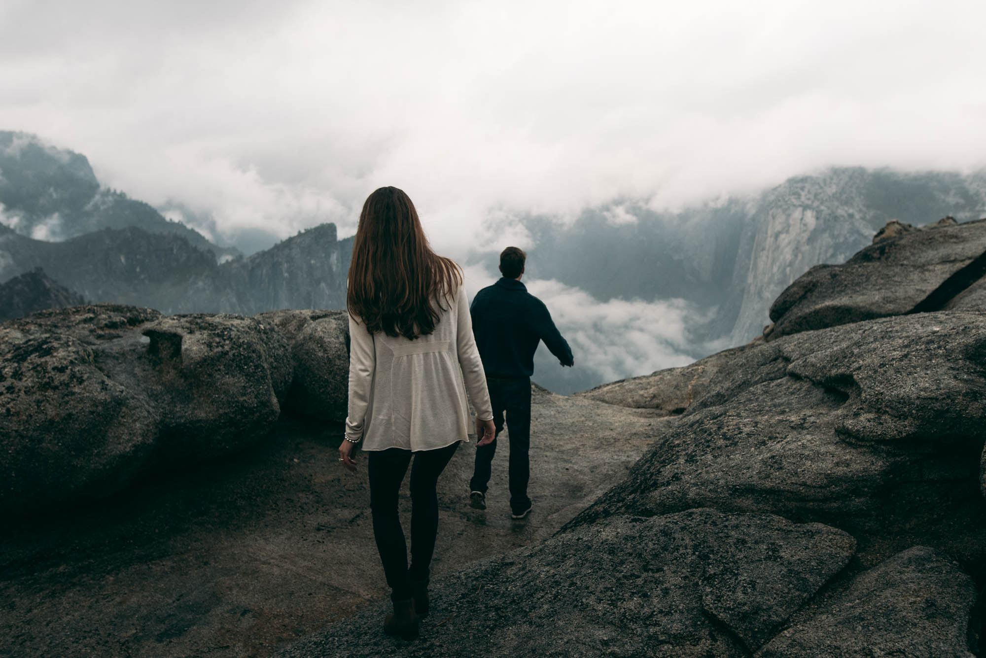 ©Isaiah & Taylor Photography - Stormy Cliffside Engagement, Yosemite California-24.jpg