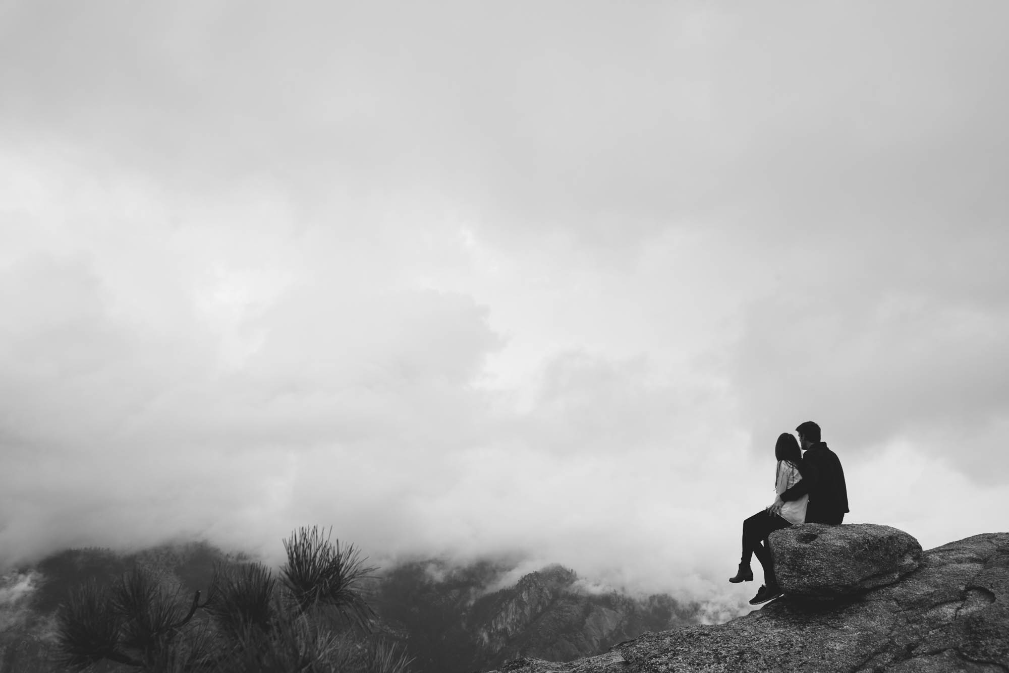 ©Isaiah & Taylor Photography - Stormy Cliffside Engagement, Yosemite California-28.jpg