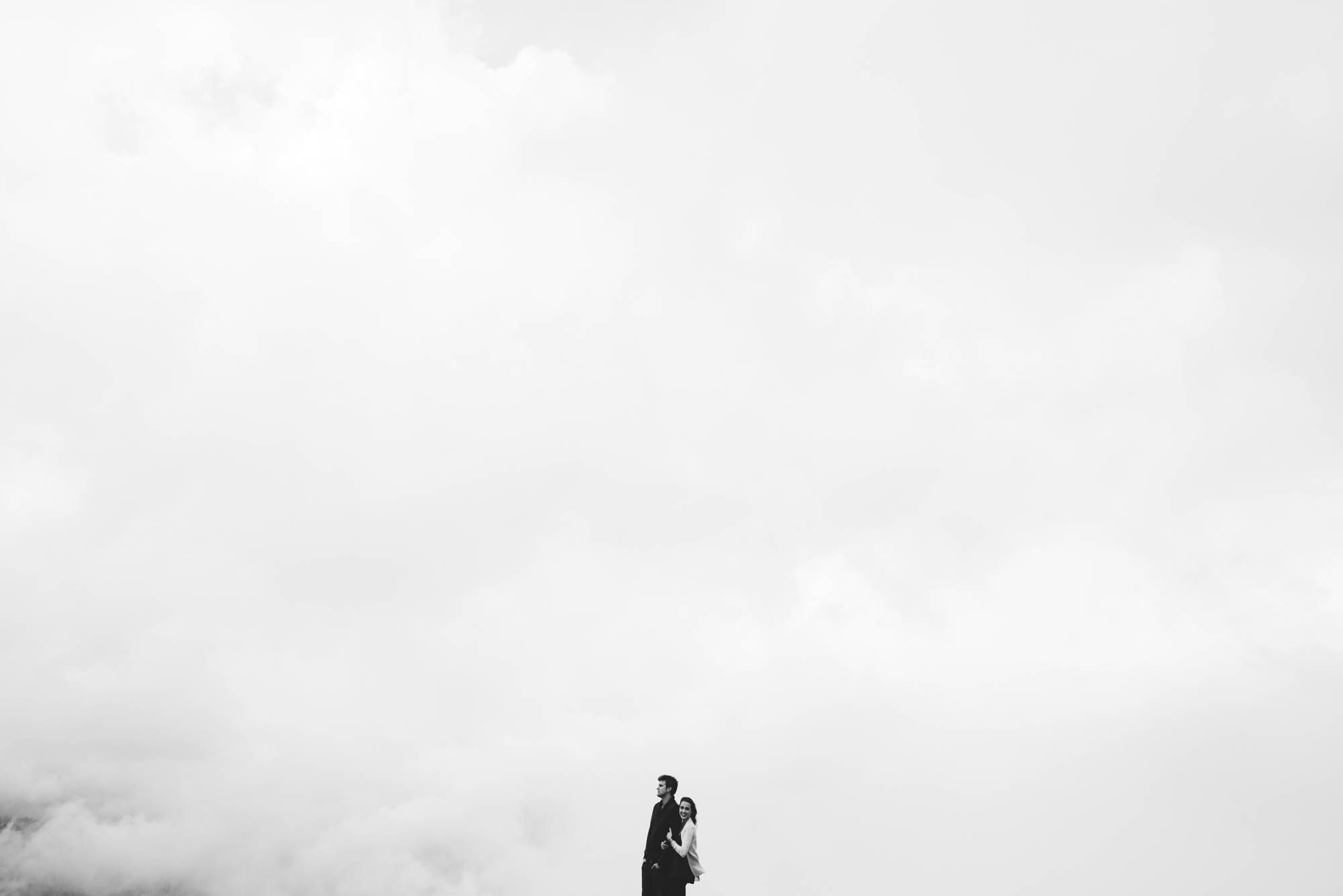 ©Isaiah & Taylor Photography - Stormy Cliffside Engagement, Yosemite California-40.jpg