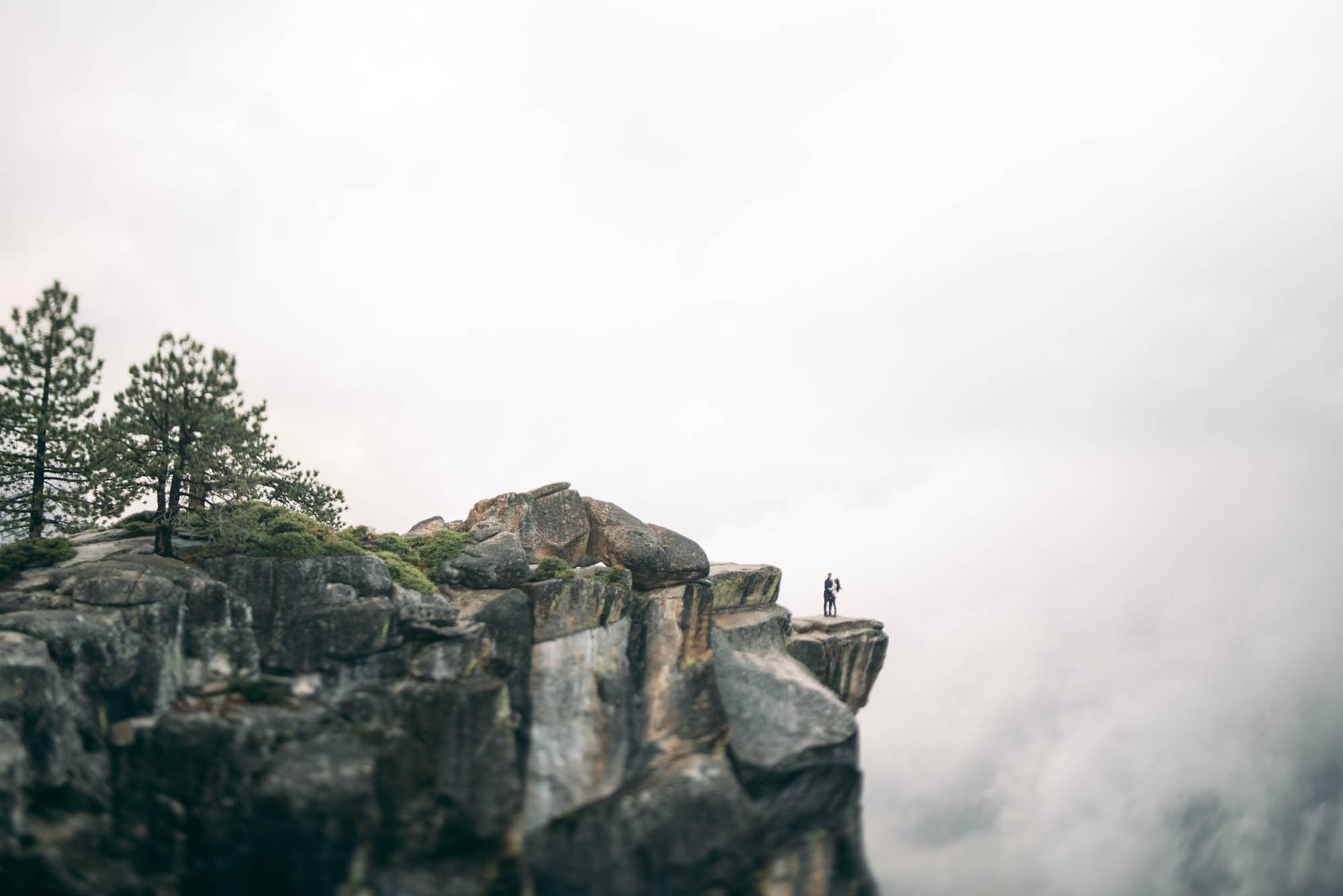 ©Isaiah & Taylor Photography - Stormy Cliffside Engagement, Yosemite California-44.jpg