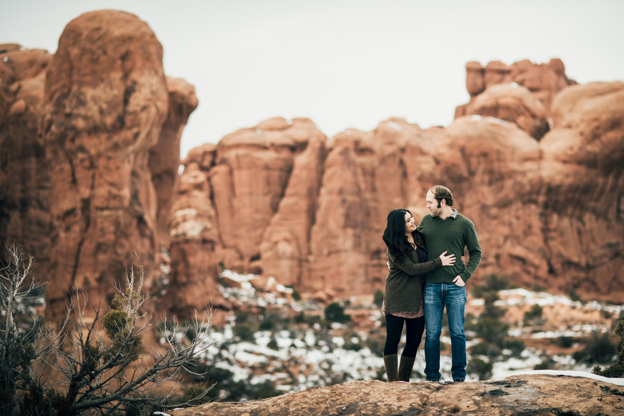 ©Isaiah & Taylor Photography - Arches National Park Adventure Engagement, Moab Utah-005.jpg