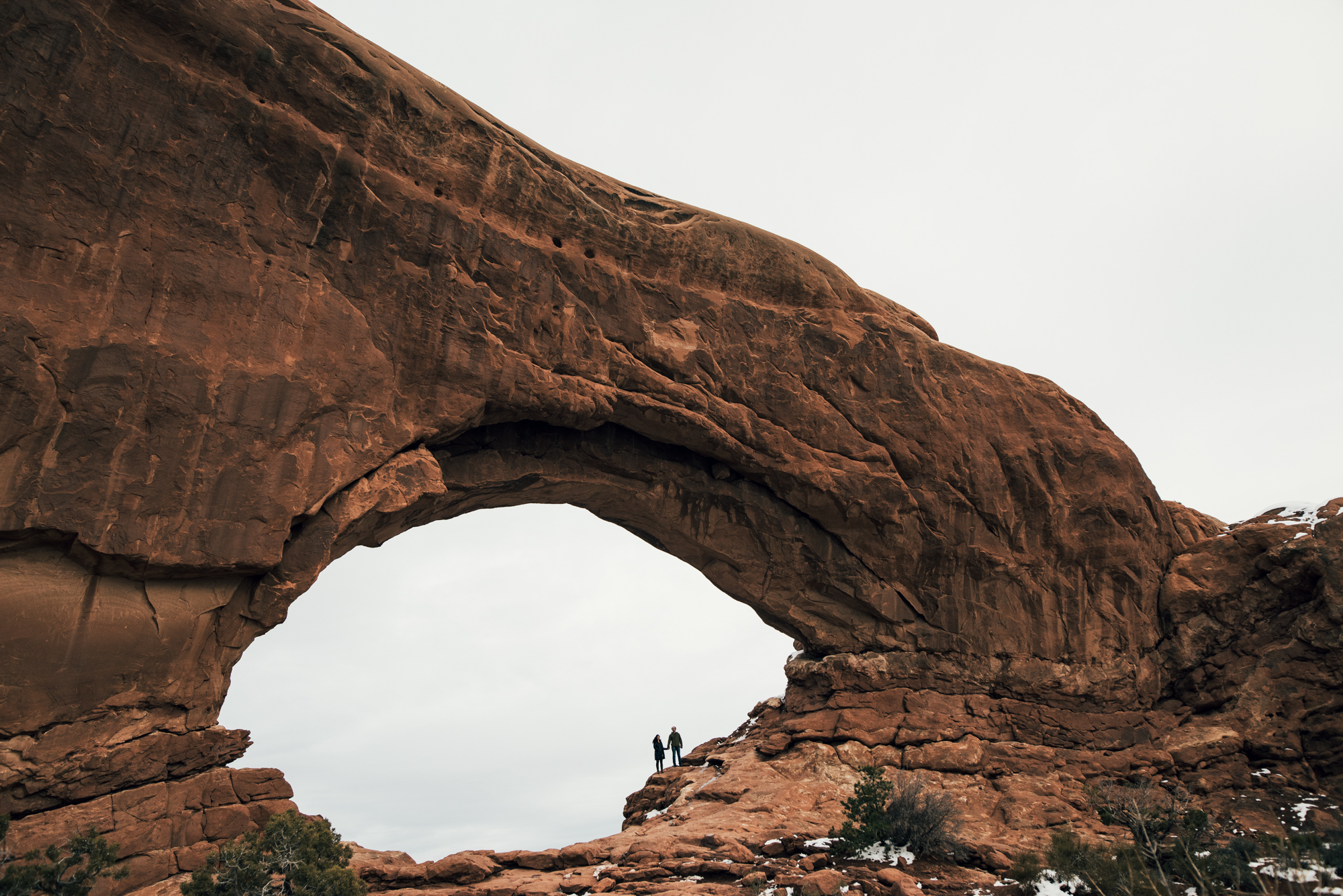 ©Isaiah & Taylor Photography - Arches National Park Adventure Engagement, Moab Utah-028.jpg